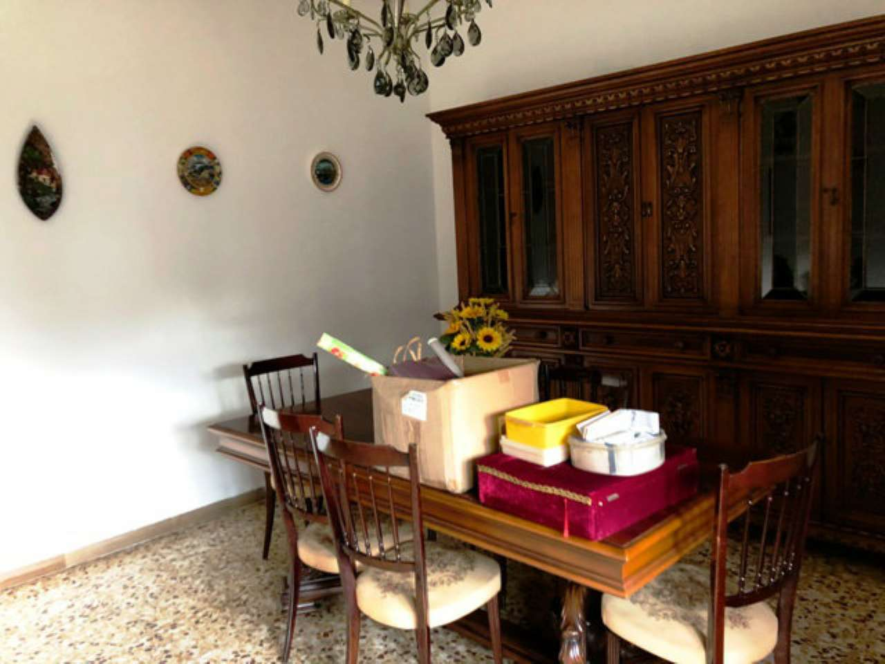 Appartamento da ristrutturare in vendita Rif. 9015343
