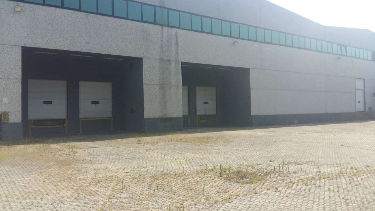 Capannone in affitto a Buccinasco, 1 locali, prezzo € 32.500 | PortaleAgenzieImmobiliari.it