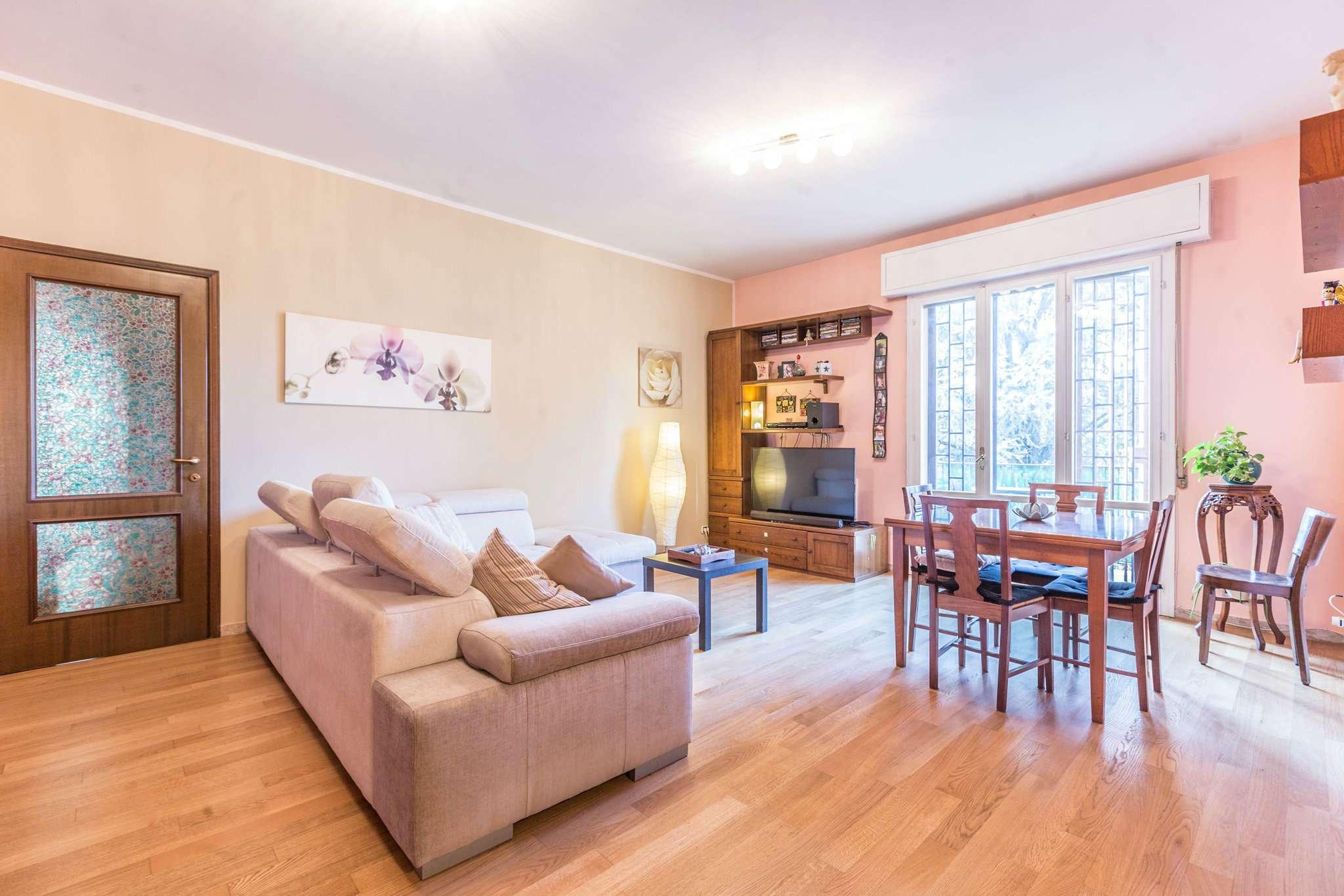 Appartamento in buone condizioni parzialmente arredato in vendita Rif. 9232950