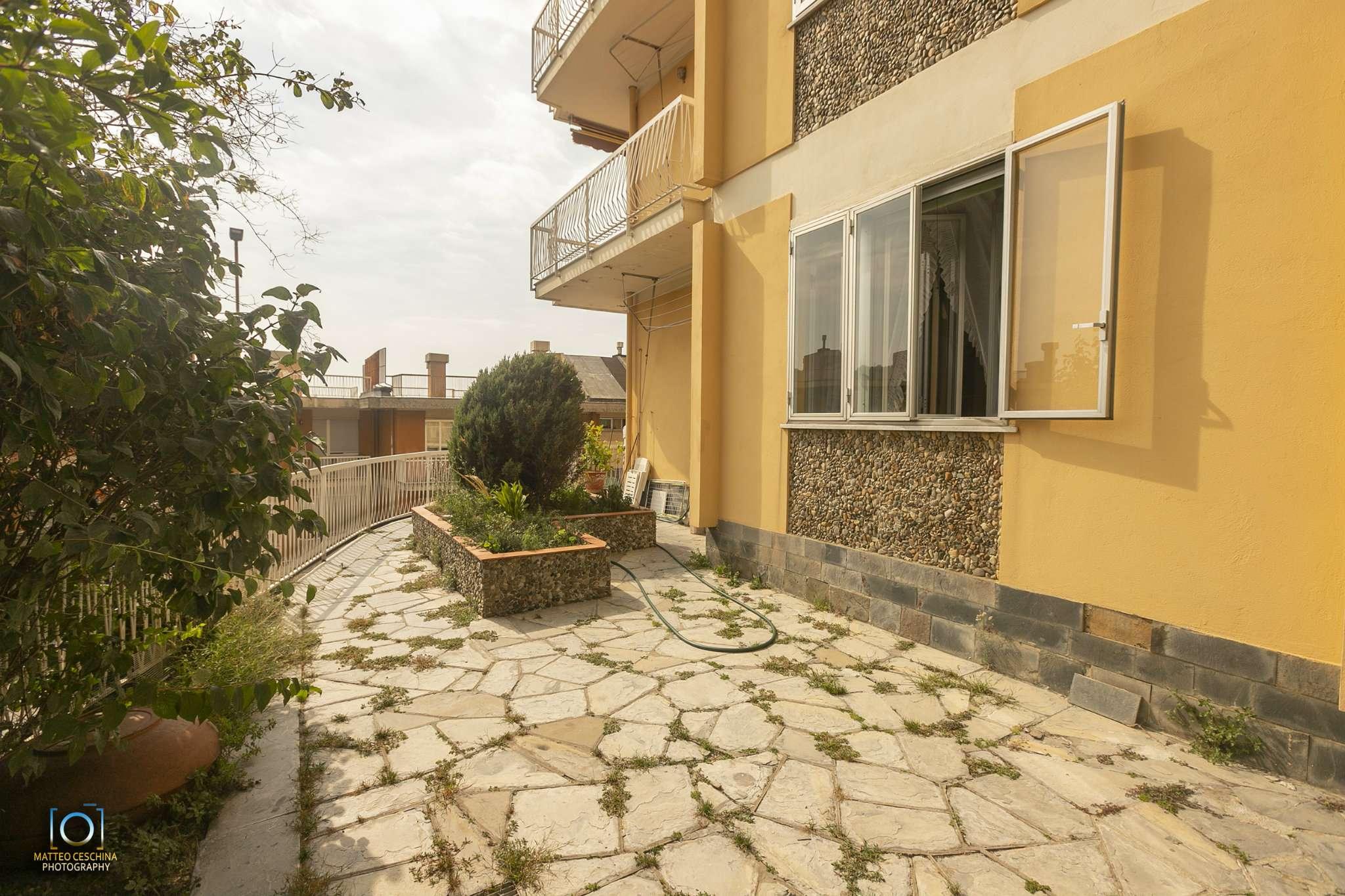 Appartamento in vendita a Genova, 8 locali, zona Marassi-Staglieno, prezzo € 260.000 | PortaleAgenzieImmobiliari.it