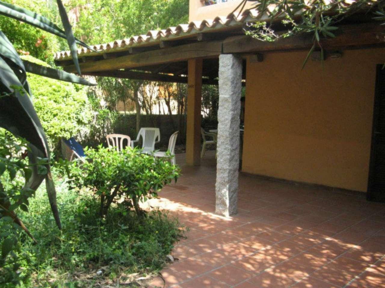 BAIA de BAHAS - Golfo di Marinella - BILOCALE D4/A1 angolare - grande patio e giardino