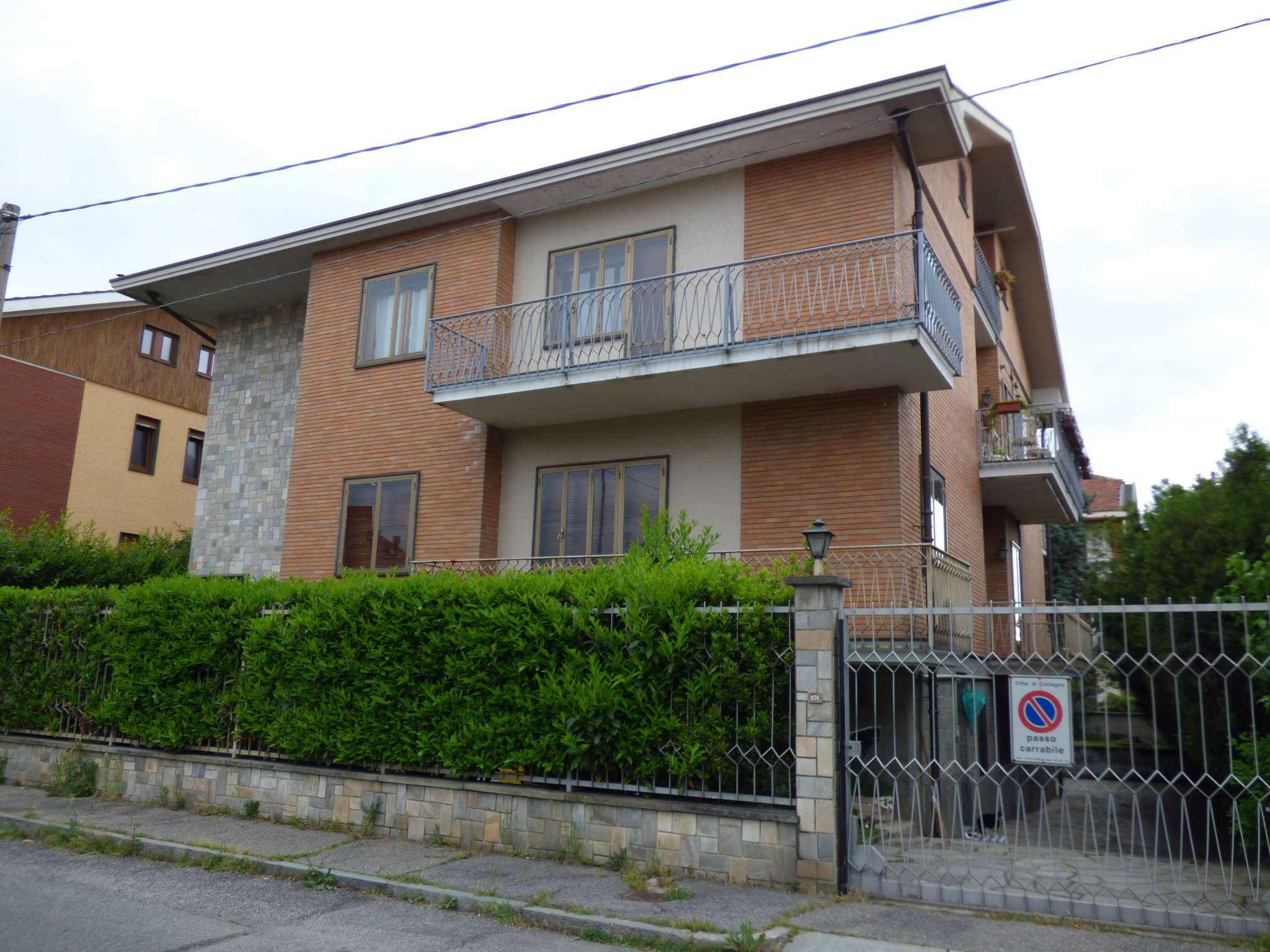 Cerco appartamento con mansarda a collegno for Case in vendita con appartamento seminterrato