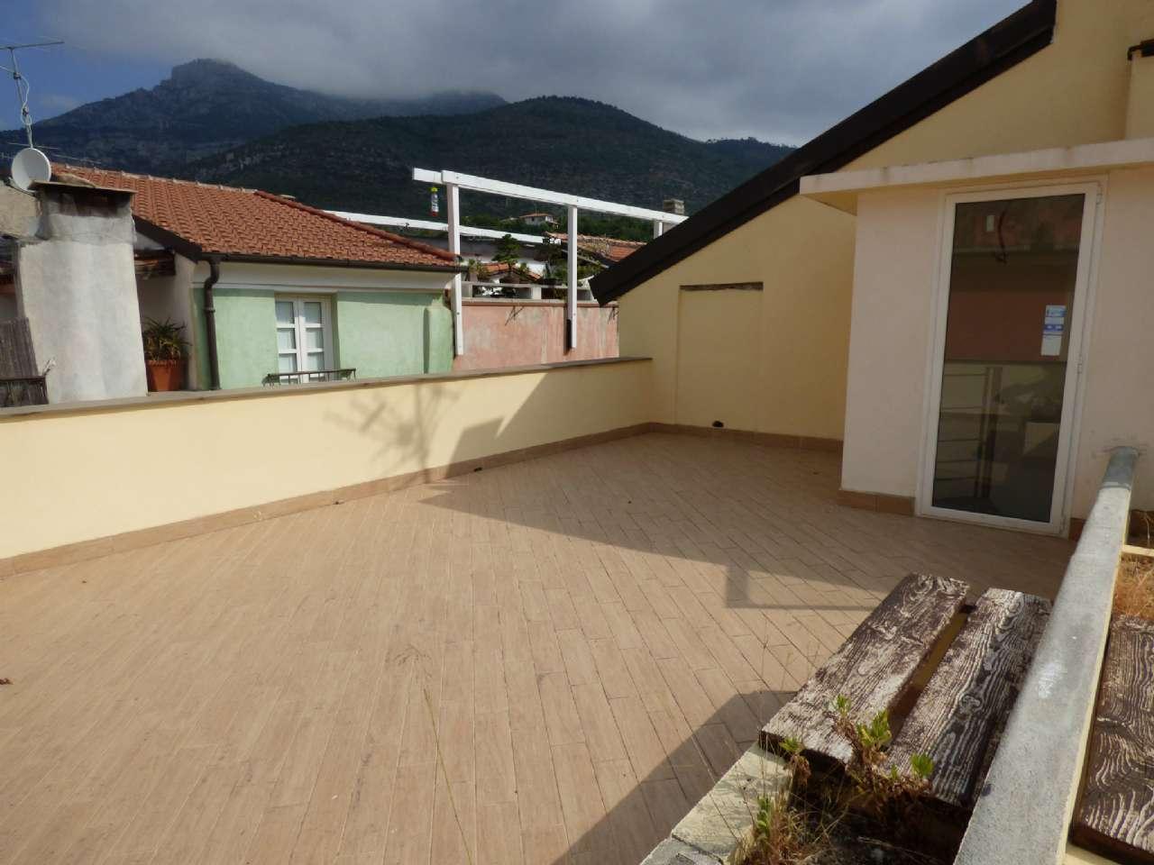 Appartamento in vendita via Parodi 27 Toirano