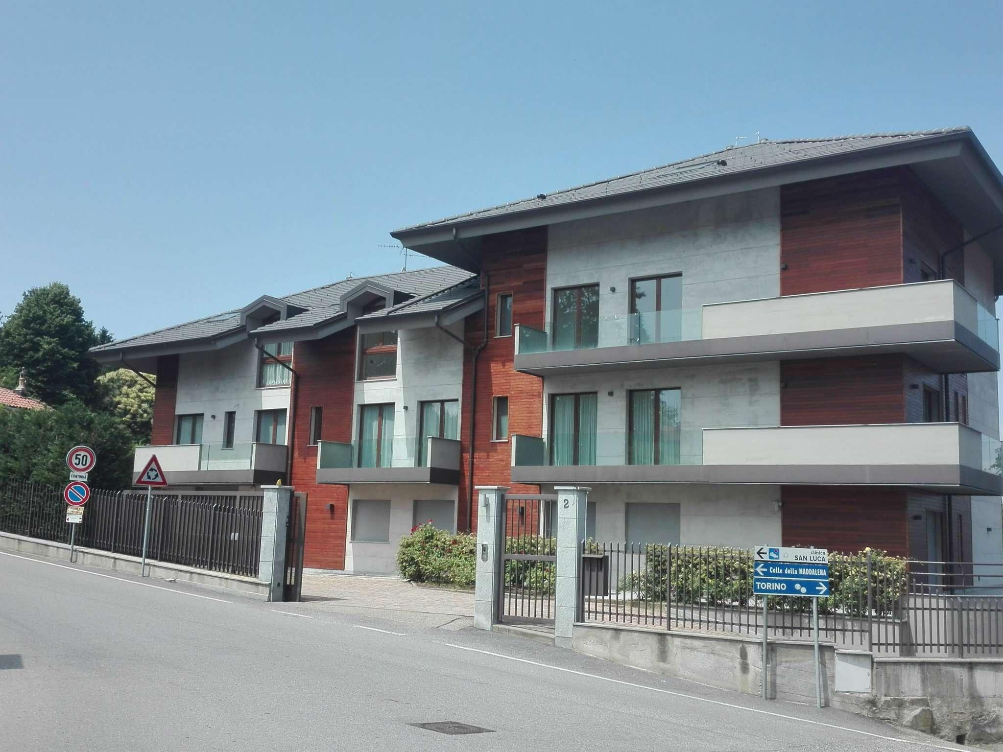 Appartamento in vendita a Pecetto Torinese, 5 locali, prezzo € 585.000 | CambioCasa.it