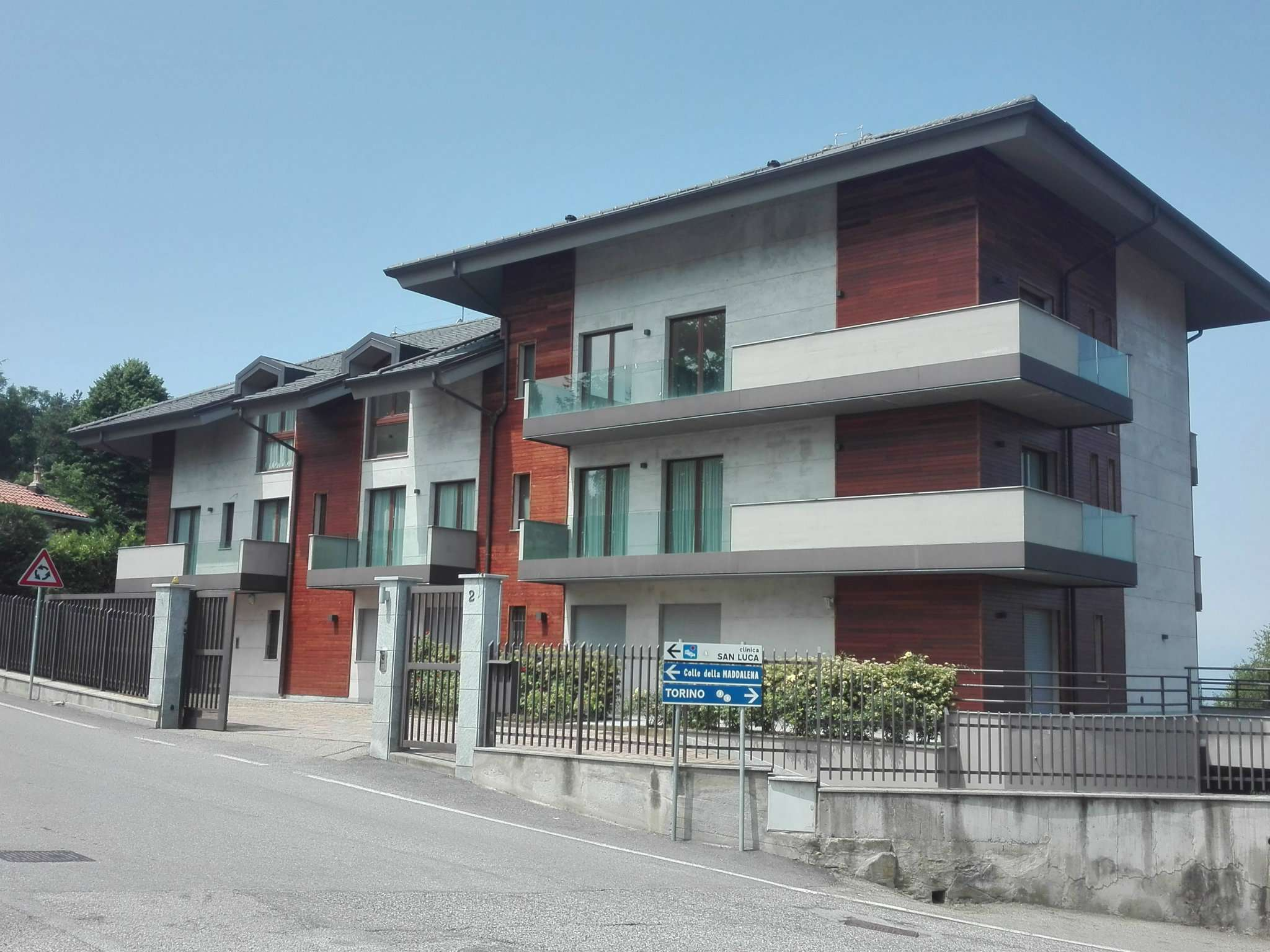 Appartamento in vendita a Pecetto Torinese, 6 locali, prezzo € 795.000 | CambioCasa.it