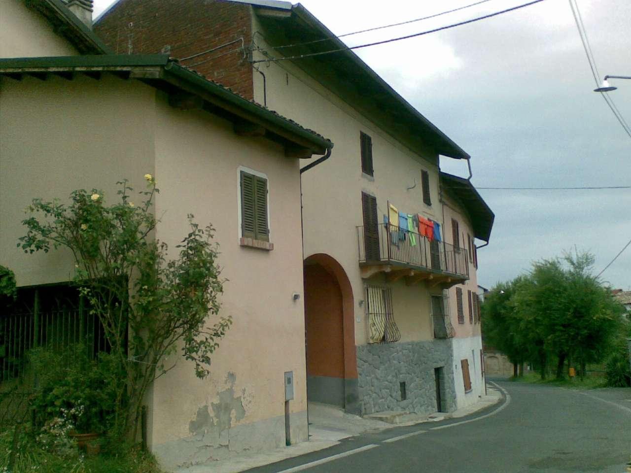 Palazzo / Stabile in vendita a Piovà Massaia, 8 locali, prezzo € 72.000 | PortaleAgenzieImmobiliari.it