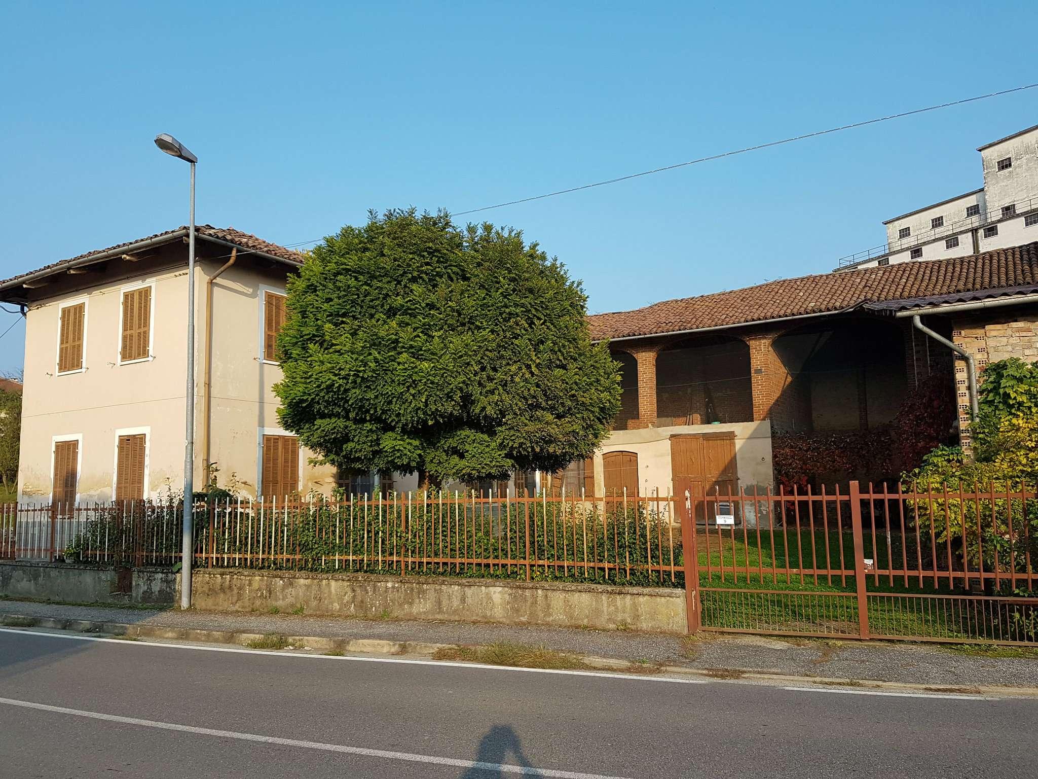 Soluzione Indipendente in vendita a Piovà Massaia, 13 locali, prezzo € 88.000 | PortaleAgenzieImmobiliari.it