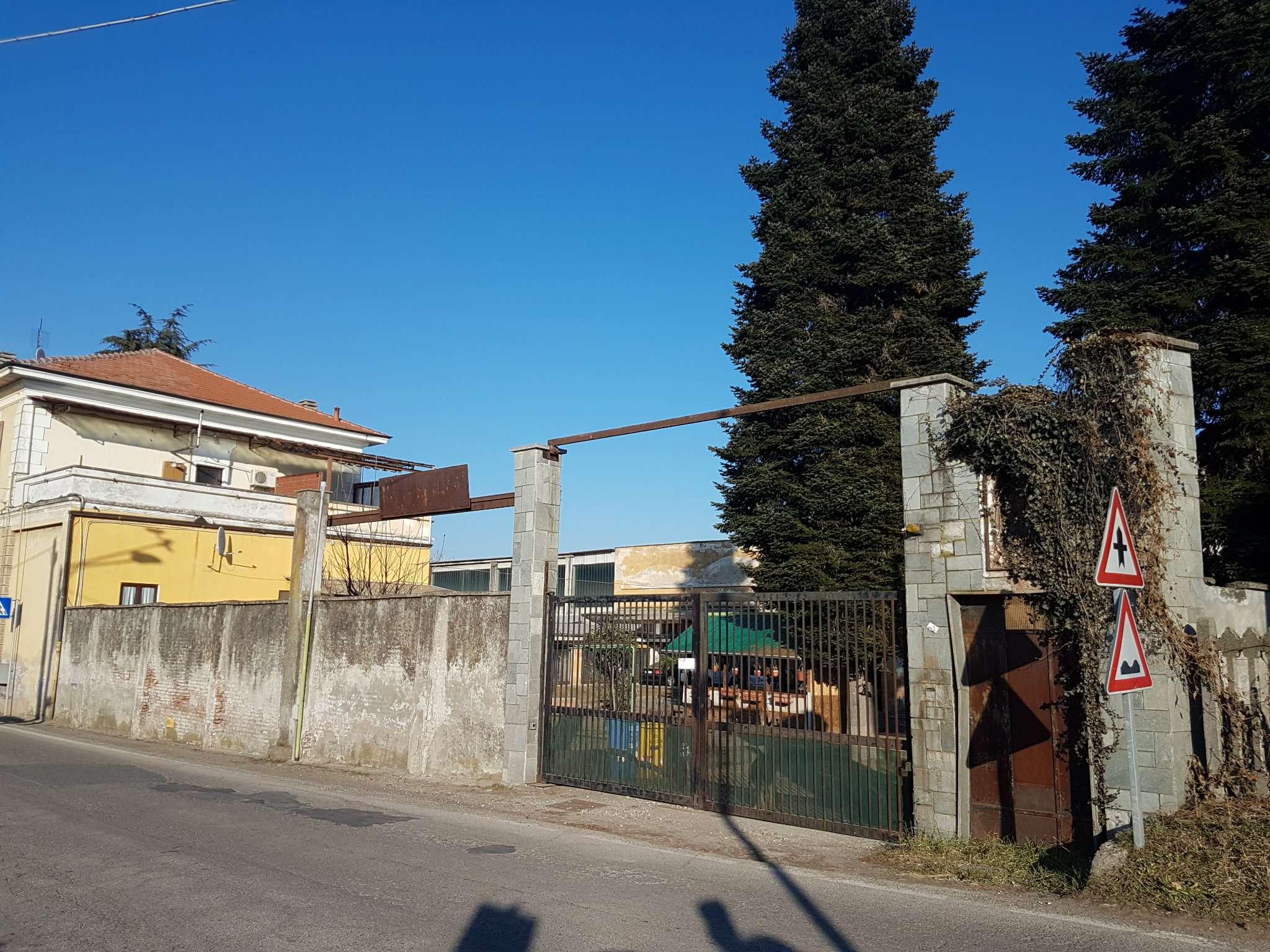 Capannone in vendita a Favria, 10 locali, prezzo € 267.000 | PortaleAgenzieImmobiliari.it