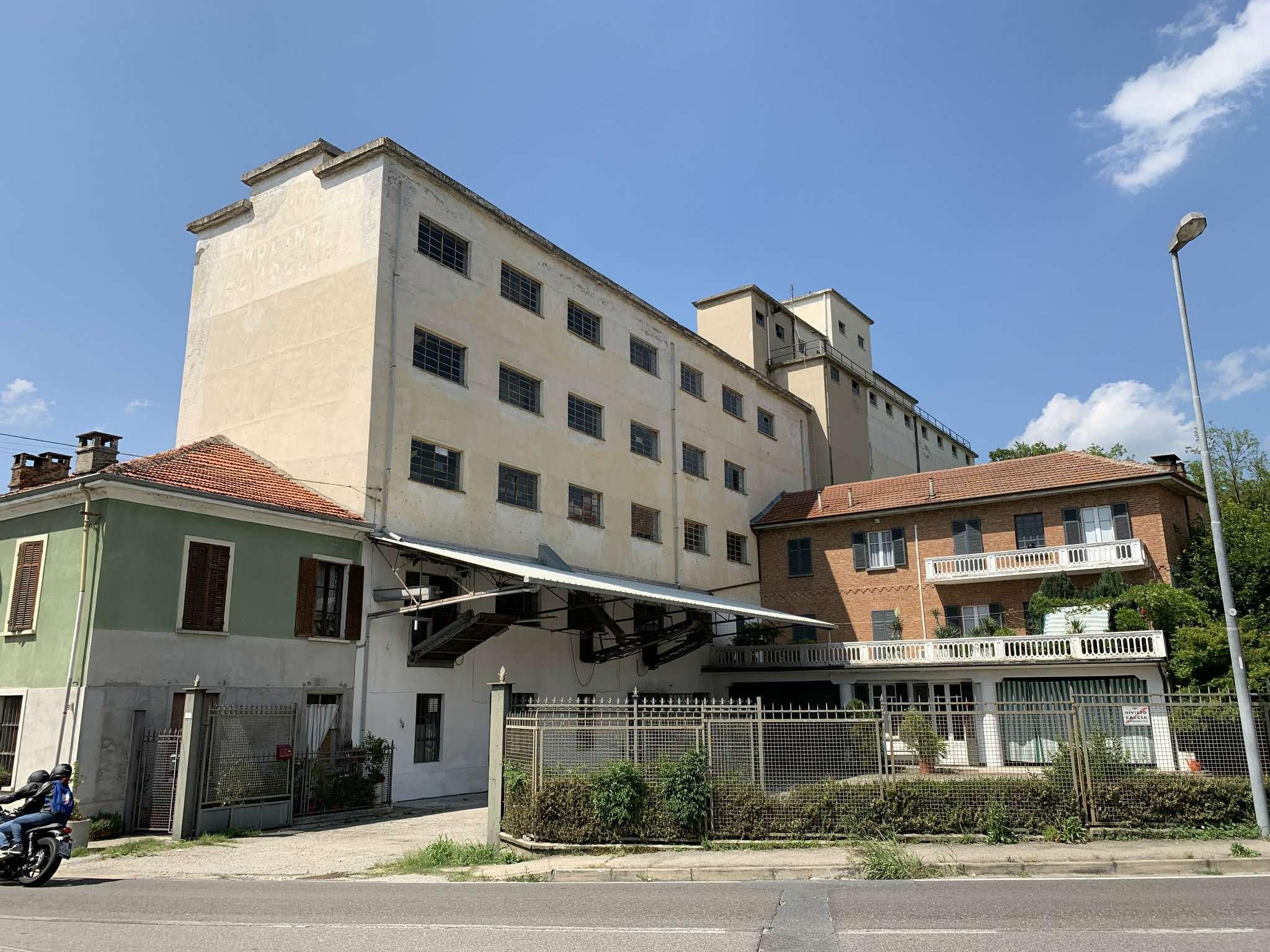 Capannone in vendita a Piovà Massaia, 10 locali, prezzo € 500.000 | PortaleAgenzieImmobiliari.it