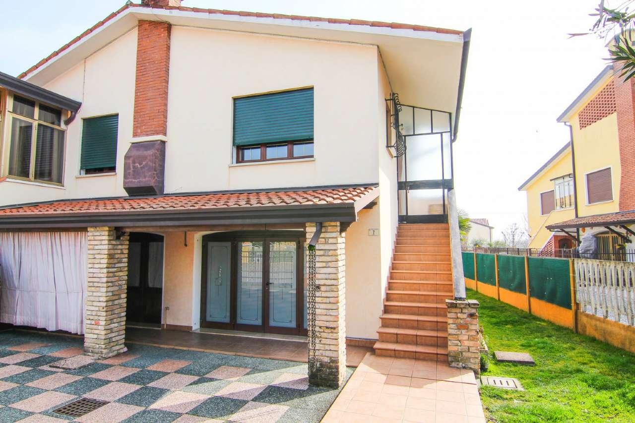 Porzione di casa in buone condizioni parzialmente arredato in vendita Rif. 5751658