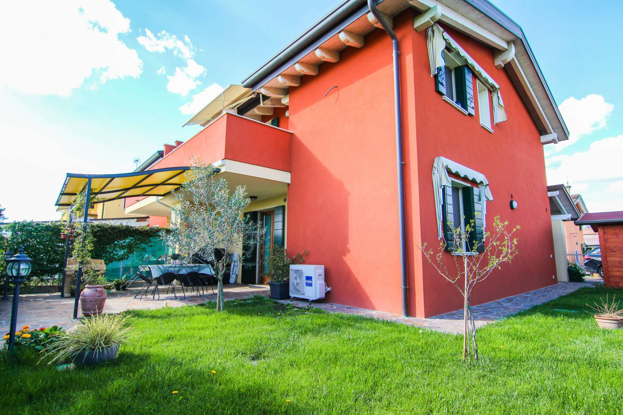 Porzione di casa in ottime condizioni parzialmente arredato in vendita Rif. 6213833