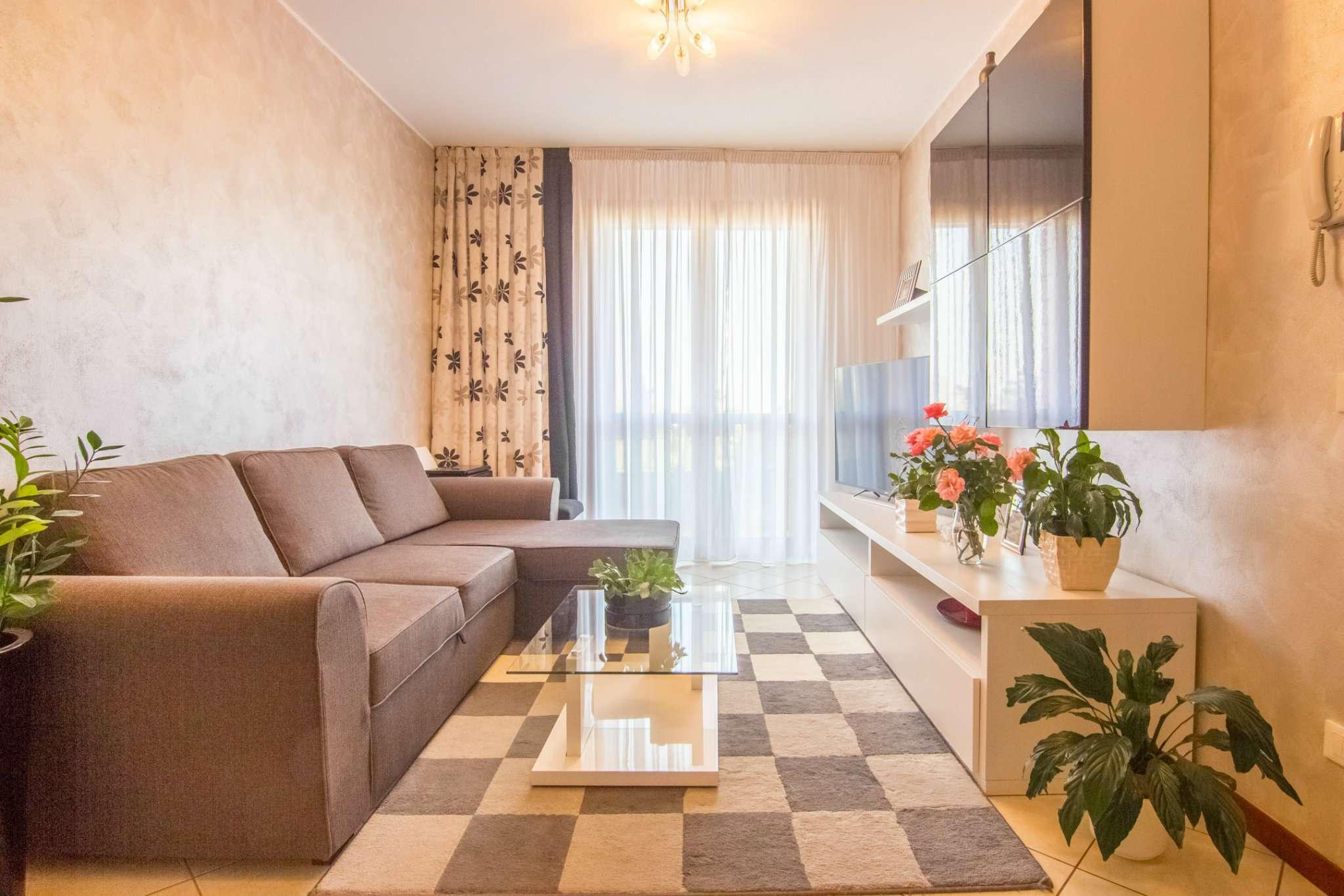Appartamento in ottime condizioni parzialmente arredato in vendita Rif. 8245031