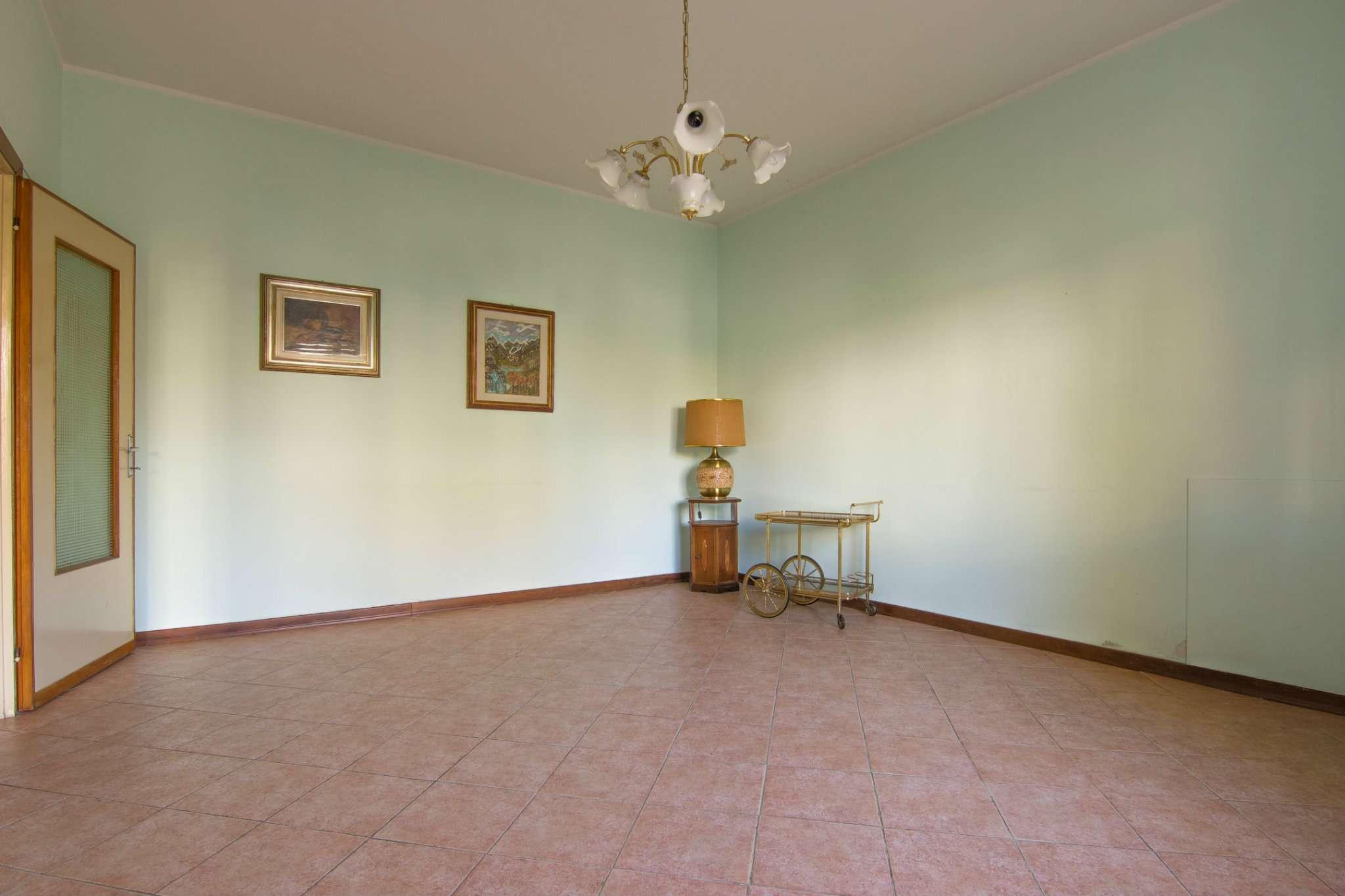 Porzione di casa in buone condizioni in vendita Rif. 8898889