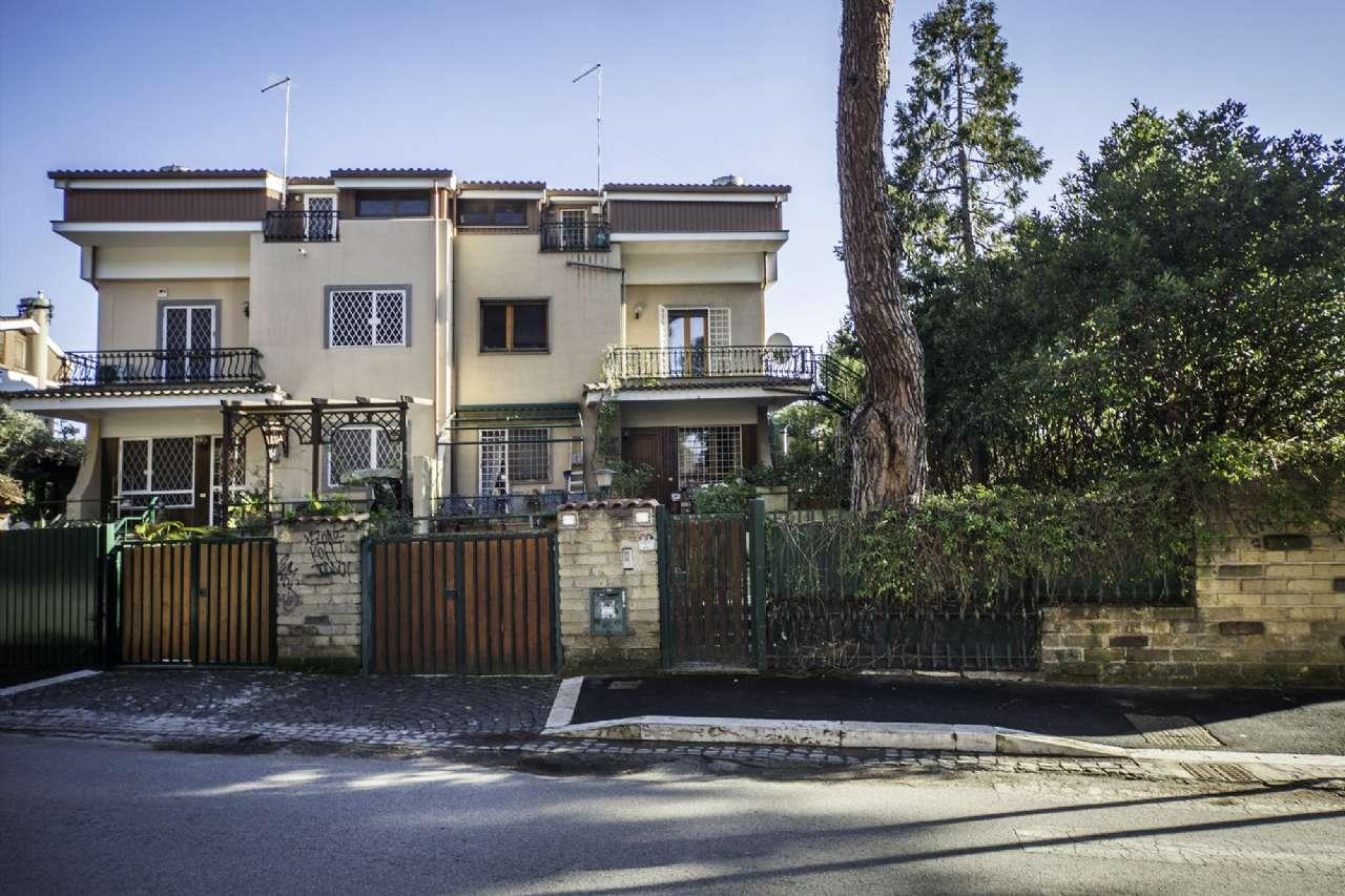 Villa Bifamiliare in vendita a Roma, 7 locali, zona Zona: 38 . Acilia, Vitinia, Infernetto, Axa, Casal Palocco, Madonnetta, prezzo € 410.000 | CambioCasa.it
