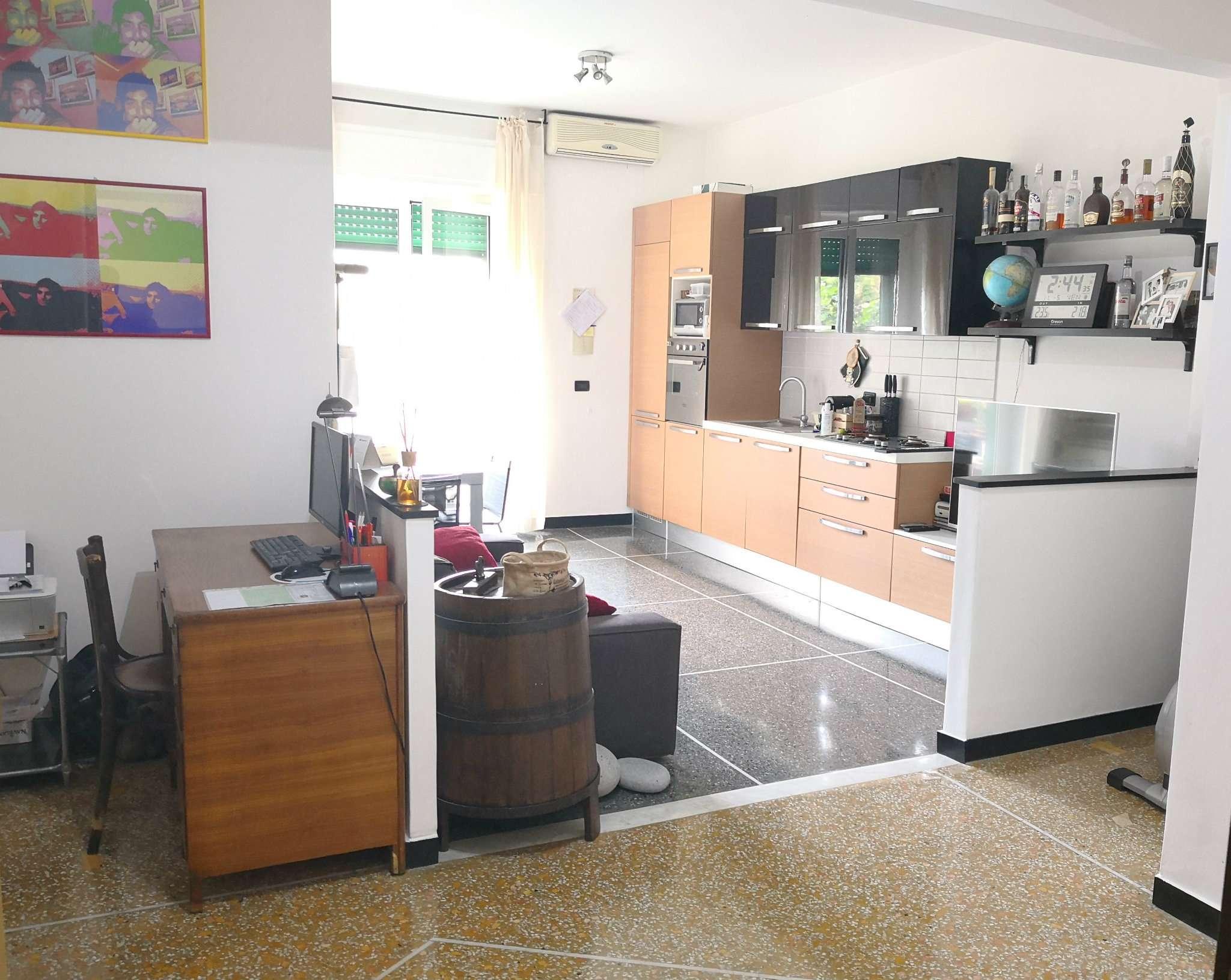 Appartamento genova vendita 105 mq riscaldamento for Cucina 9 genova