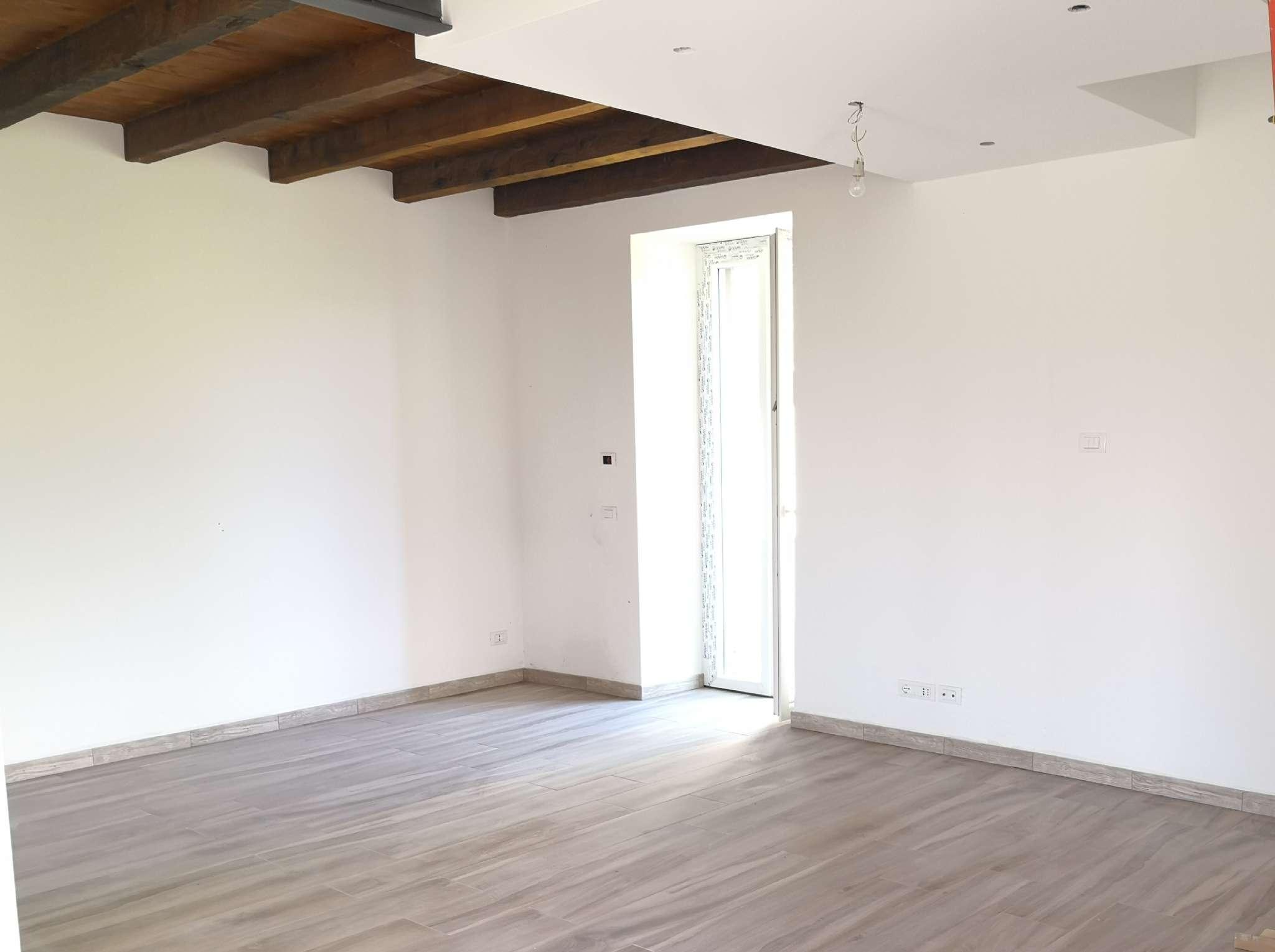 Appartamento in vendita a Serra Riccò, 7 locali, prezzo € 199.000 | CambioCasa.it