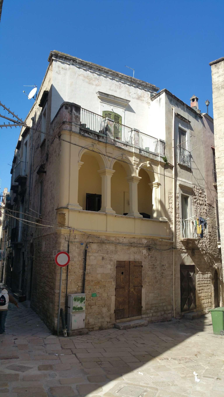 Appartamento in vendita a Bisceglie, 5 locali, prezzo € 100.000 | PortaleAgenzieImmobiliari.it