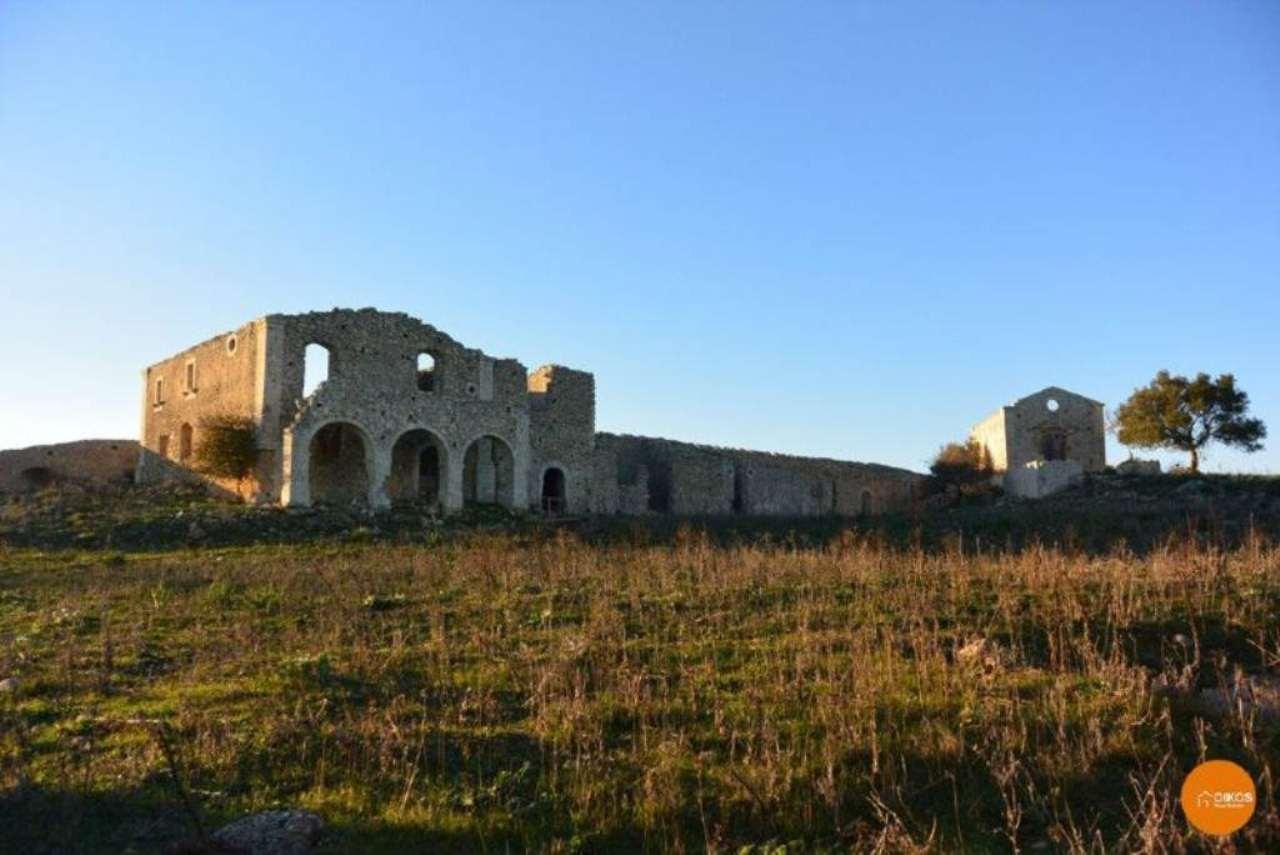 Rustico / Casale in vendita a Sortino, 5 locali, prezzo € 110.000 | CambioCasa.it