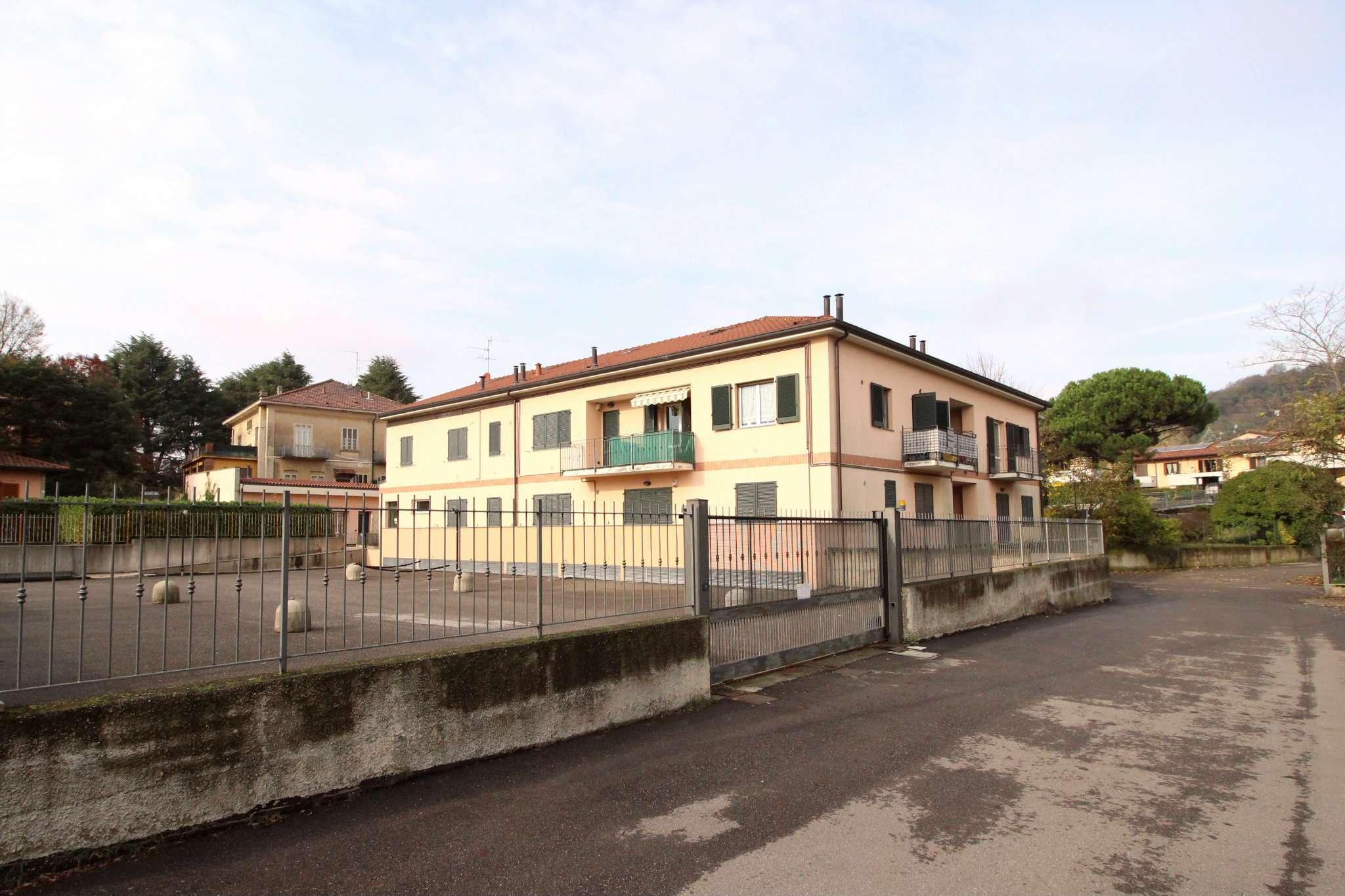 Appartamento in ottime condizioni parzialmente arredato in vendita Rif. 8887308