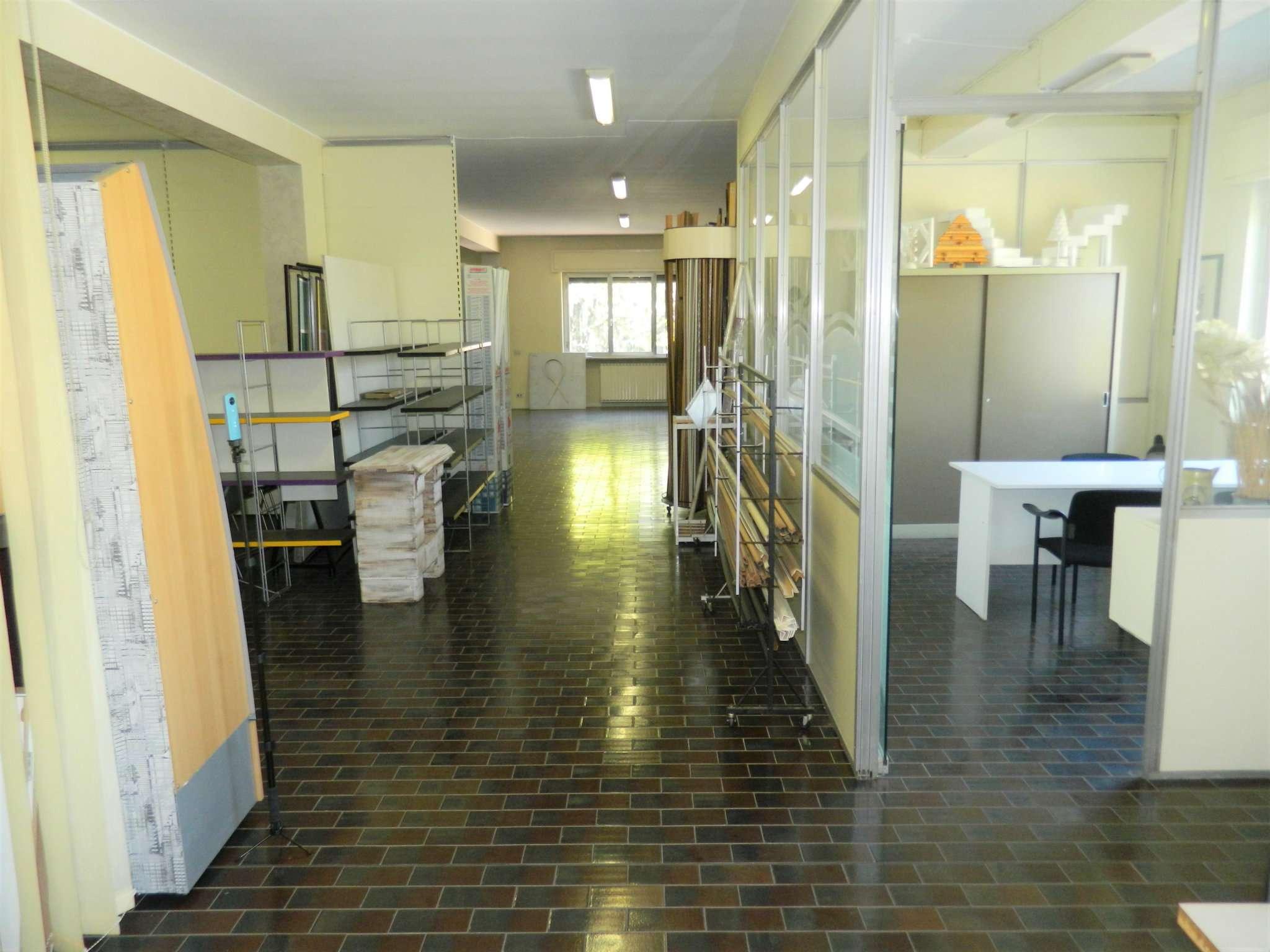 Immobile Commerciale in vendita a Rozzano, 9999 locali, prezzo € 2.200.000   PortaleAgenzieImmobiliari.it