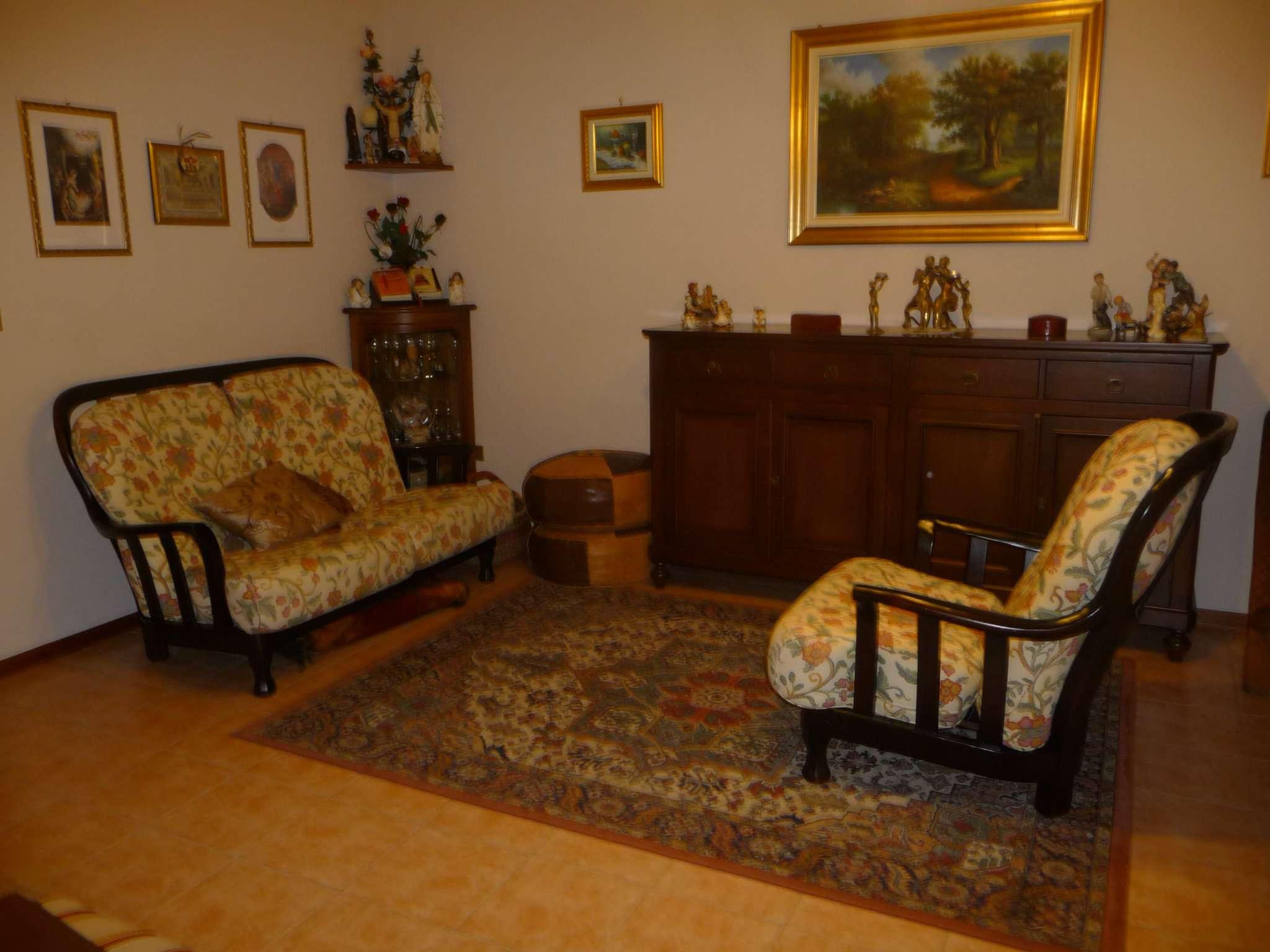 Appartamento in vendita a Trofarello, 4 locali, prezzo € 145.000 | CambioCasa.it