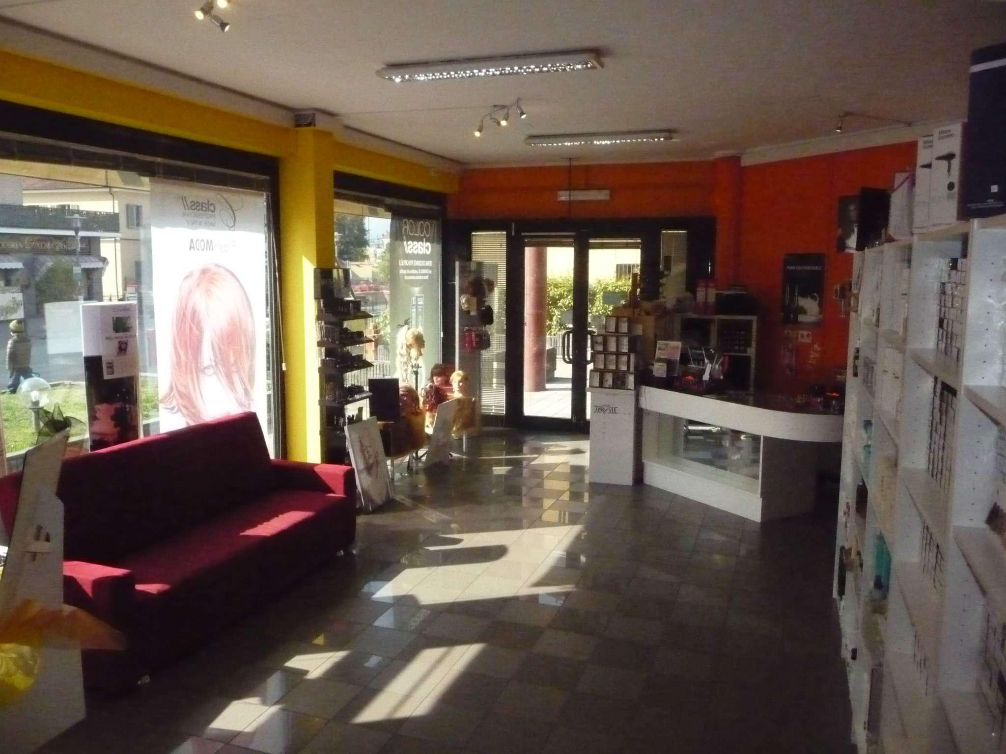 Attività / Licenza in vendita a Avigliana, 2 locali, prezzo € 129.000   CambioCasa.it