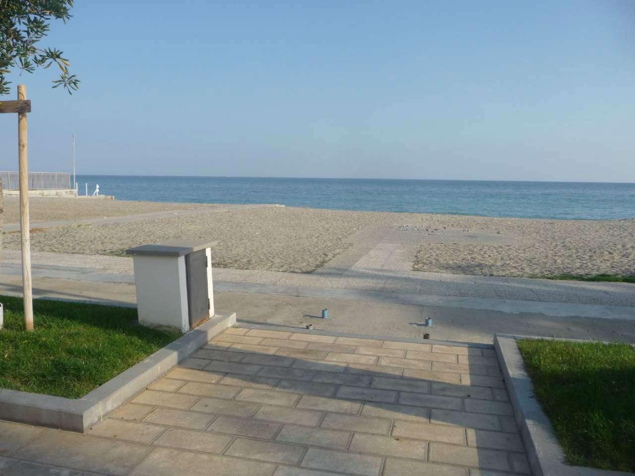 Appartamento in vendita a Ceriale, 3 locali, prezzo € 350.000 | CambioCasa.it