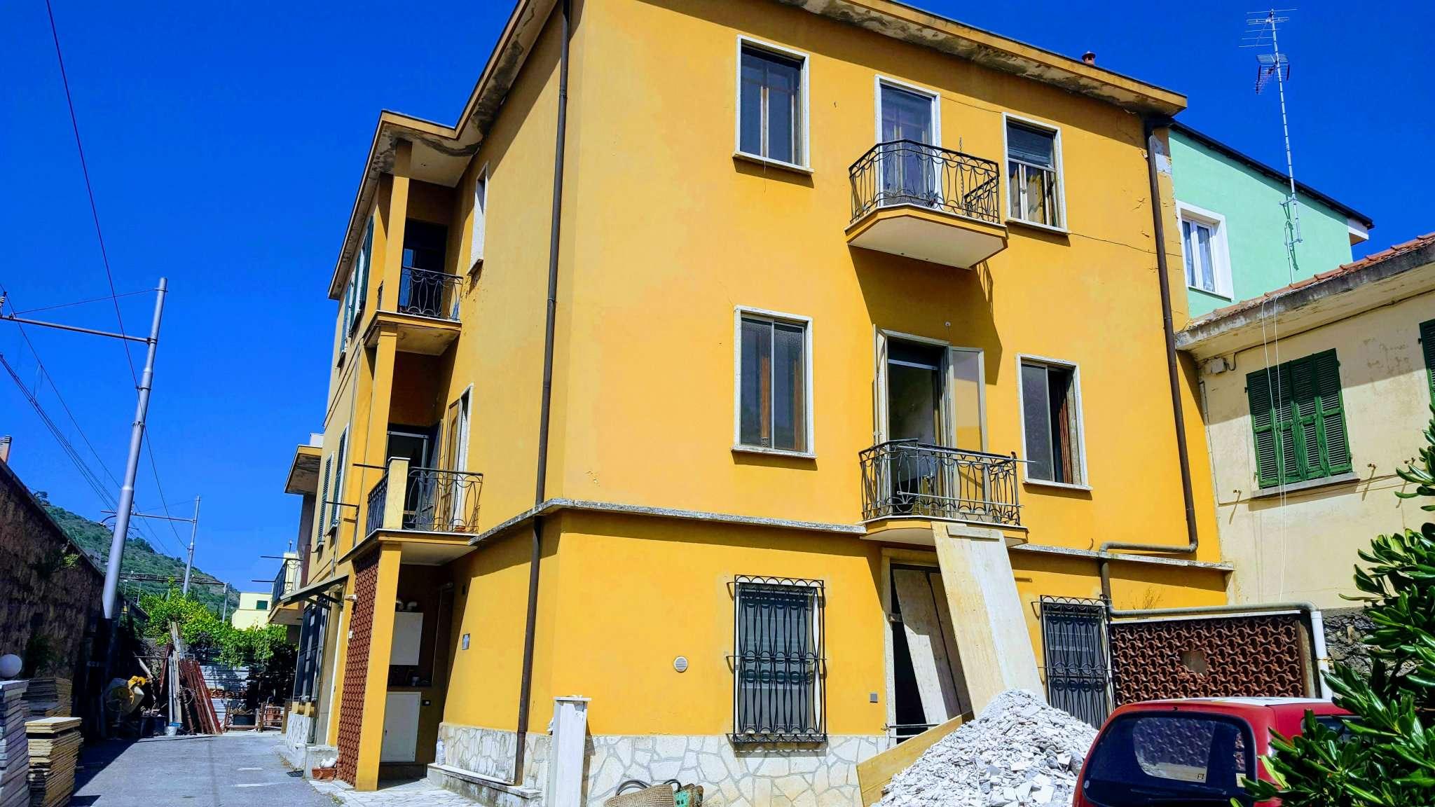 Appartamento in vendita a Ceriale, 2 locali, prezzo € 220.000 | CambioCasa.it