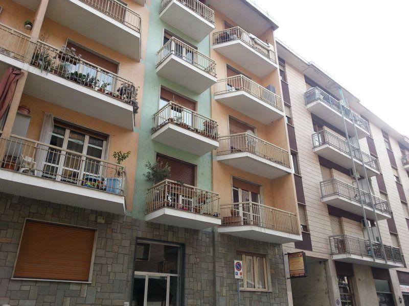 Appartamento in buone condizioni in affitto Rif. 7413173