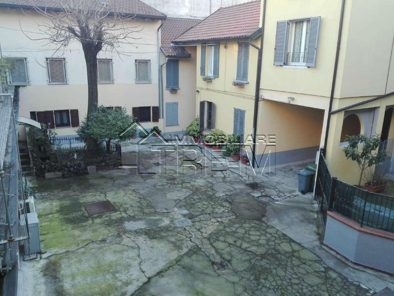 Appartamento in discrete condizioni in vendita Rif. 8897245