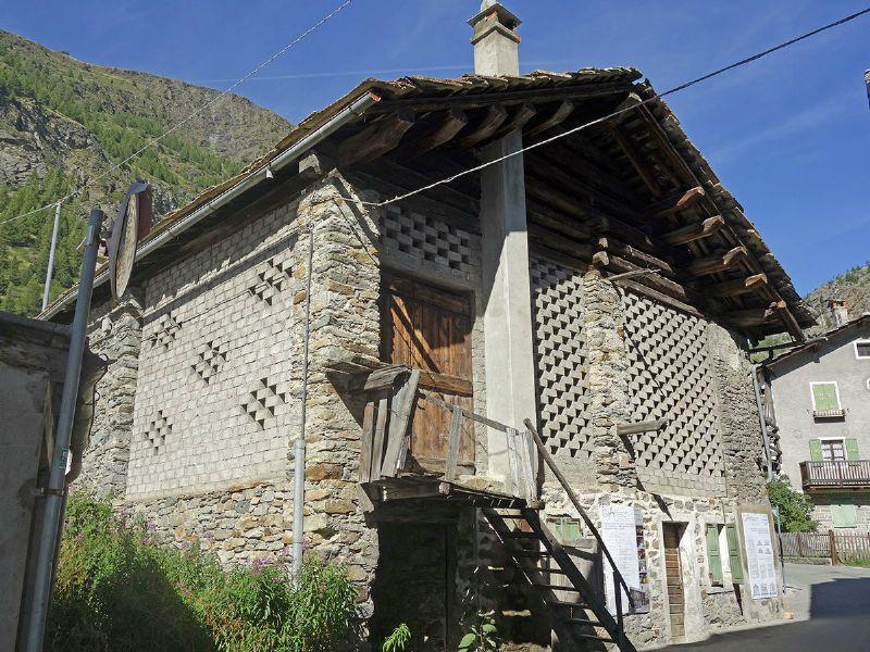 Appartamento in vendita a Cogne, 2 locali, prezzo € 200.000 | CambioCasa.it