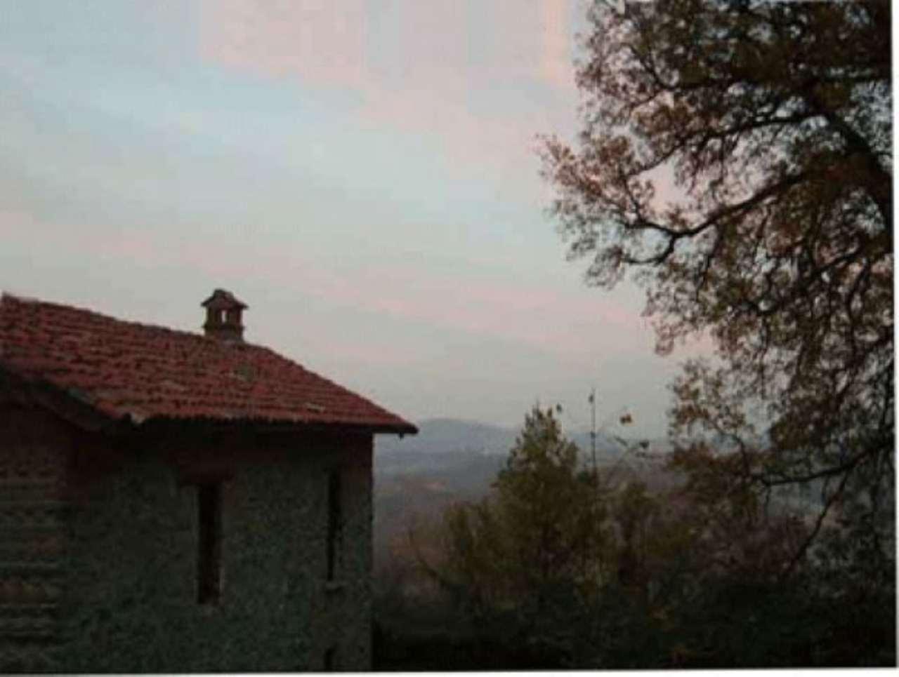 Rustico / Casale in vendita a Morbello, 6 locali, prezzo € 280.000 | CambioCasa.it