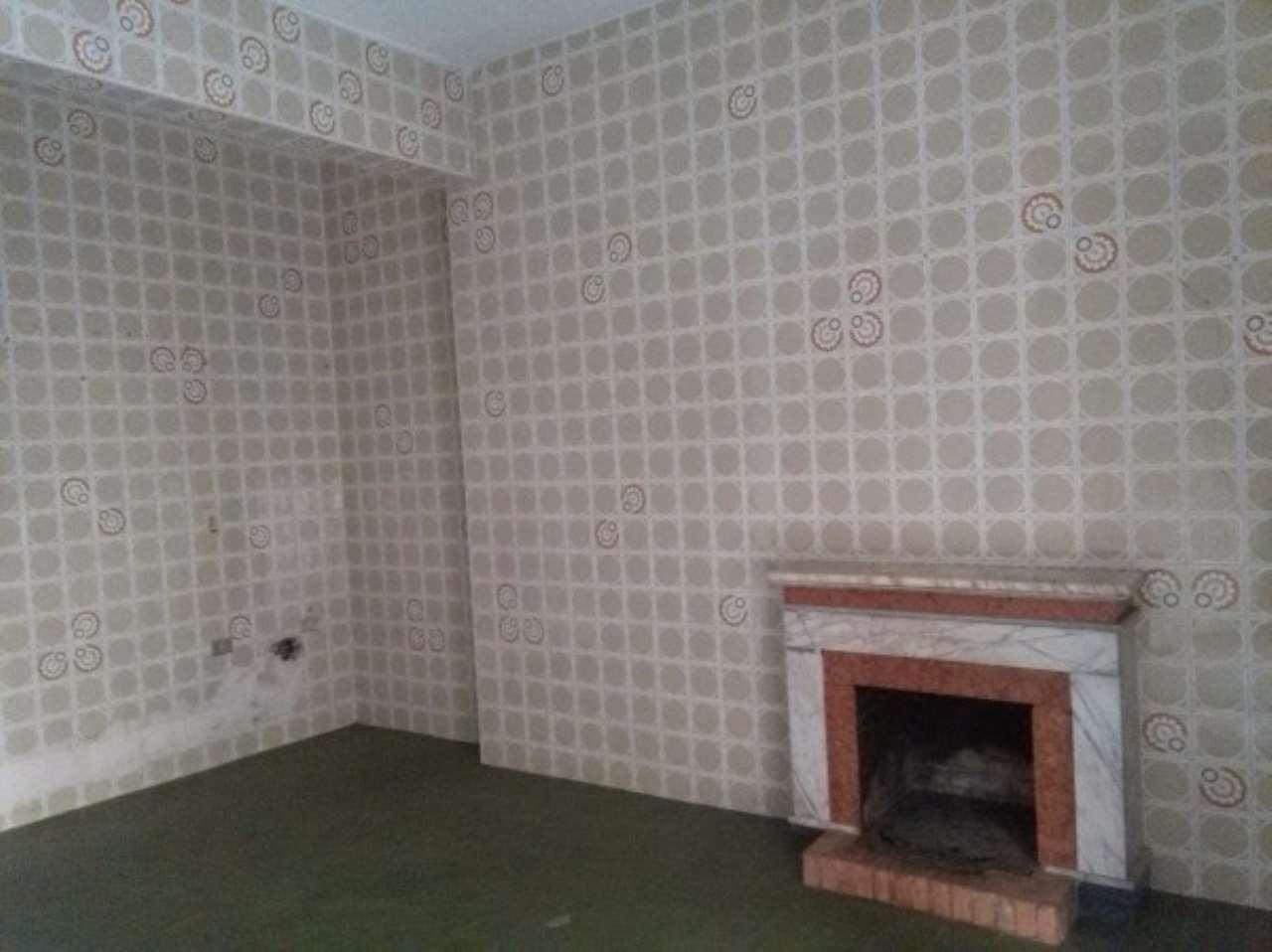 Appartamento in buone condizioni in vendita Rif. 5069683