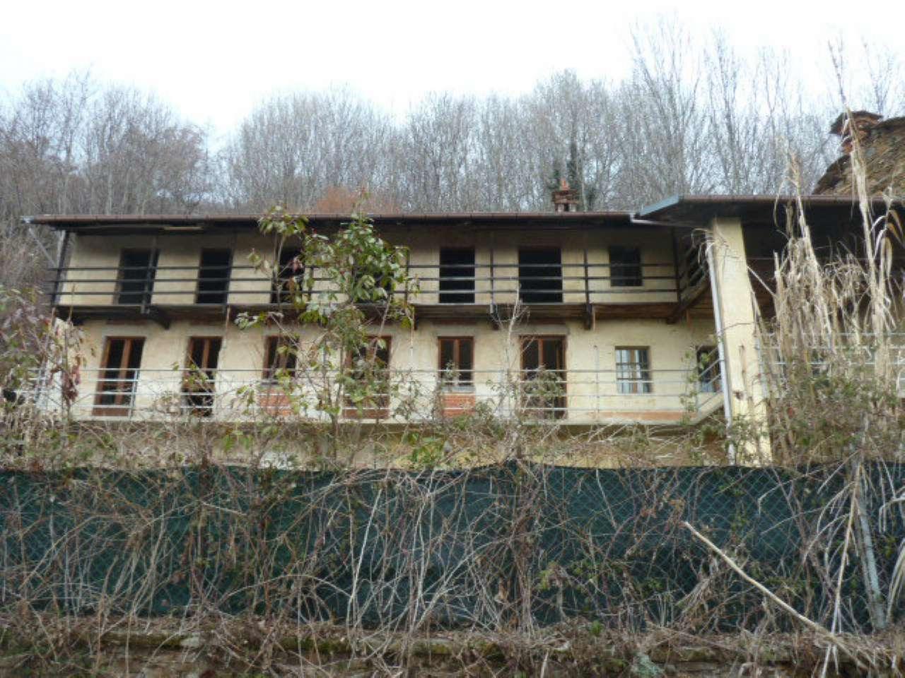 Soluzione Indipendente in vendita a Rocca Canavese, 14 locali, prezzo € 65.000 | CambioCasa.it
