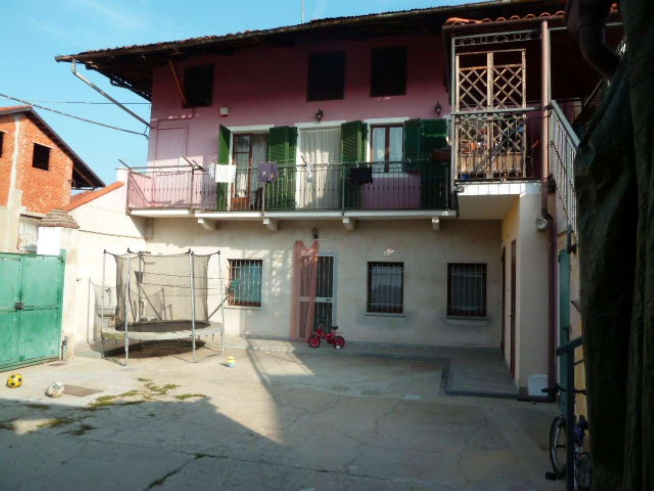 Porzione di casa in buone condizioni in vendita Rif. 8036988