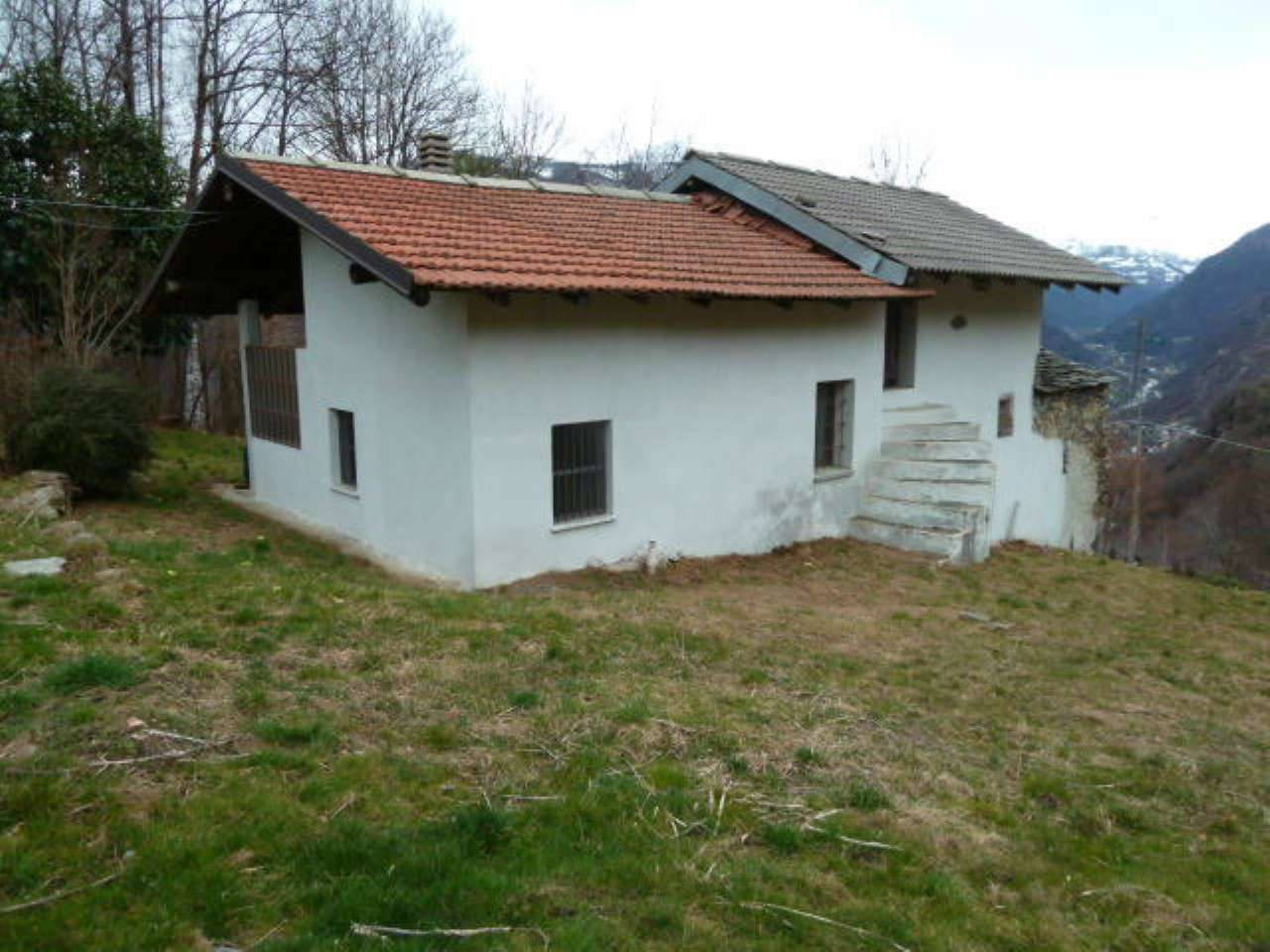 Soluzione Indipendente in vendita a Pont-Canavese, 5 locali, prezzo € 40.000 | PortaleAgenzieImmobiliari.it