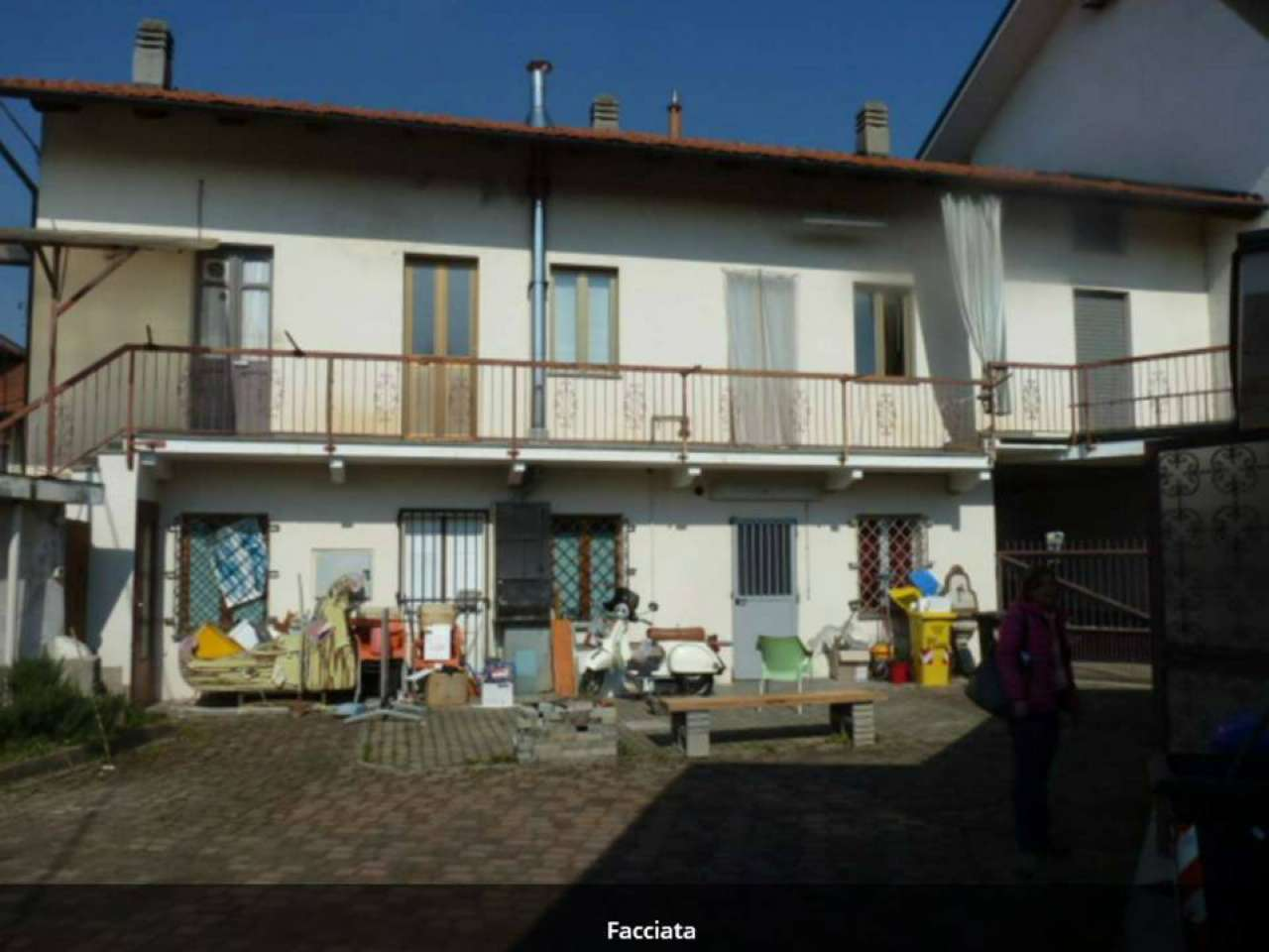 Appartamento in vendita a Fiano, 4 locali, prezzo € 49.000   CambioCasa.it