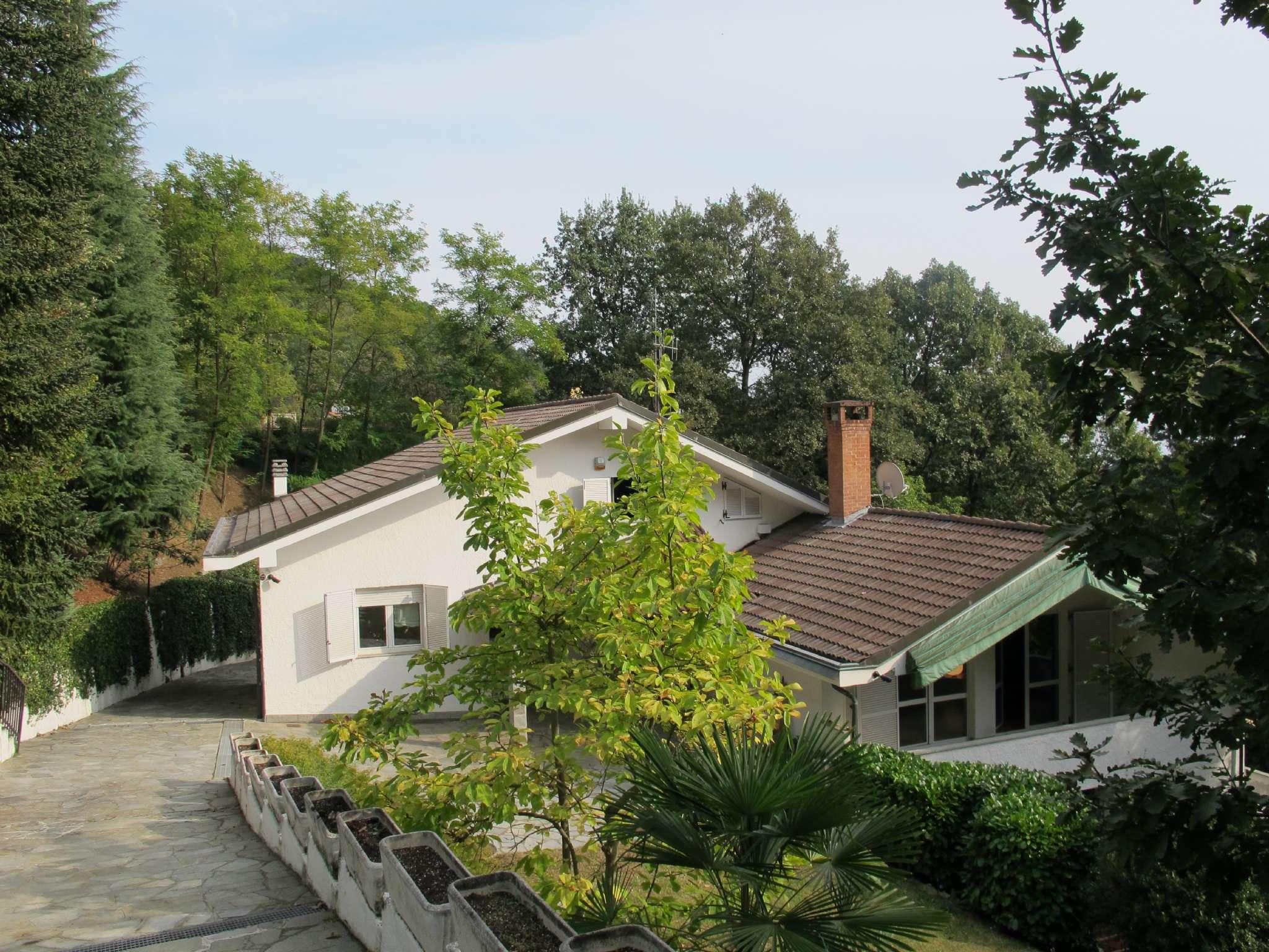 Villetta a schiera ristrutturato parzialmente arredato in vendita Rif. 8426615