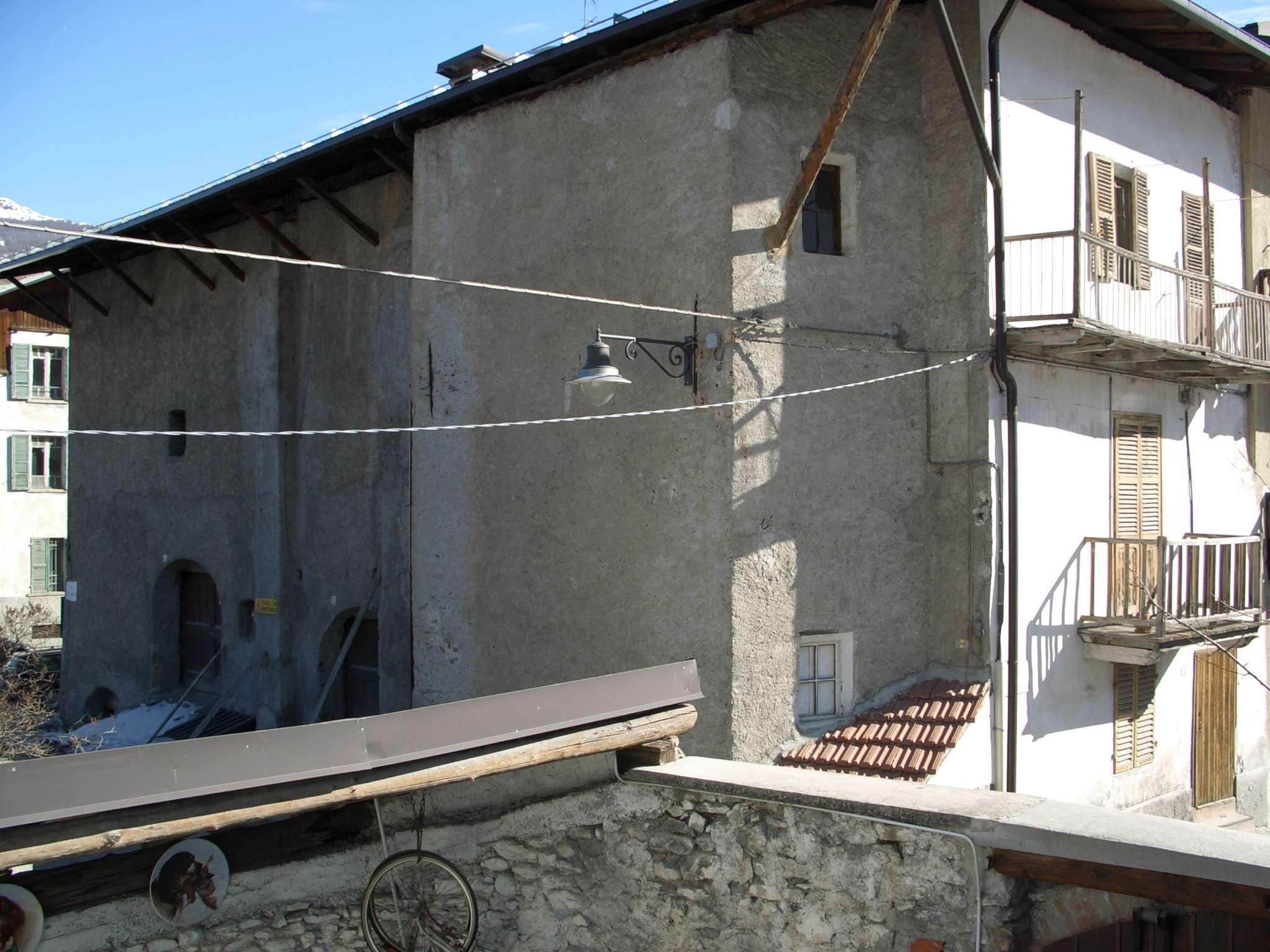 Palazzo / Stabile in vendita a Cesana Torinese, 9999 locali, prezzo € 395.000 | CambioCasa.it
