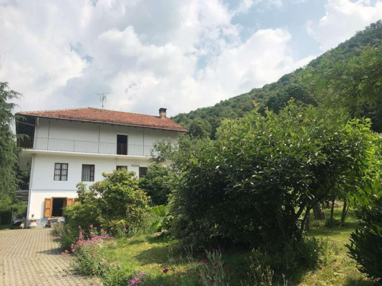 Soluzione Indipendente in vendita a Lanzo Torinese, 8 locali, prezzo € 139.000 | CambioCasa.it