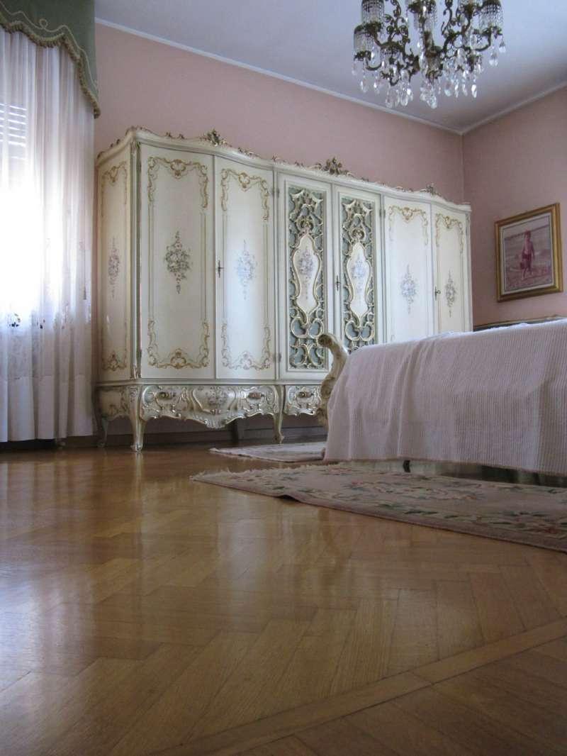 Appartamento in buone condizioni in vendita Rif. 9423402