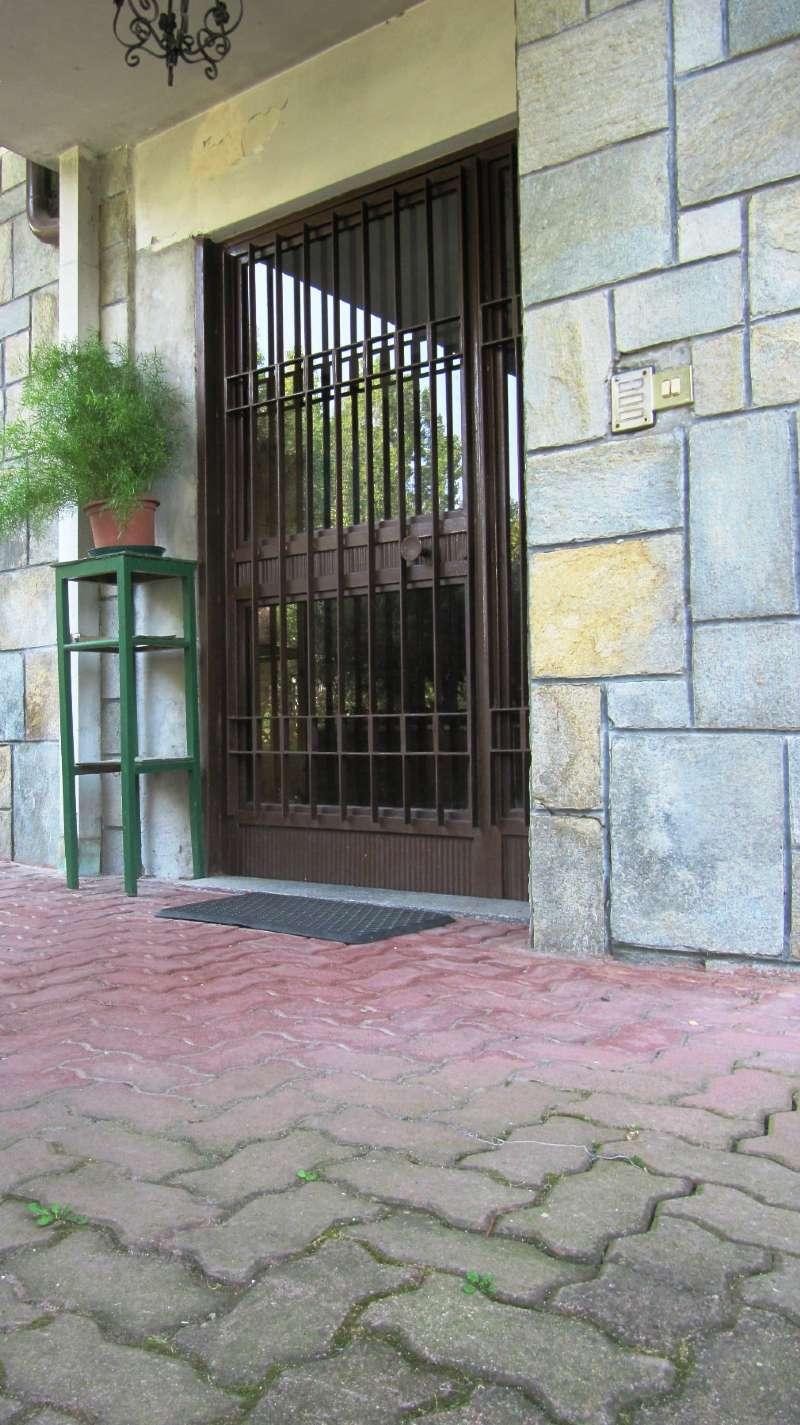 Appartamento in condizioni mediocri parzialmente arredato in vendita Rif. 8663344