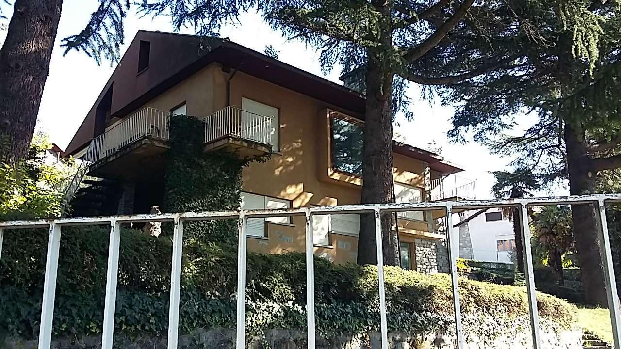 Villa in vendita a Almese, 9999 locali, prezzo € 360.000 | CambioCasa.it