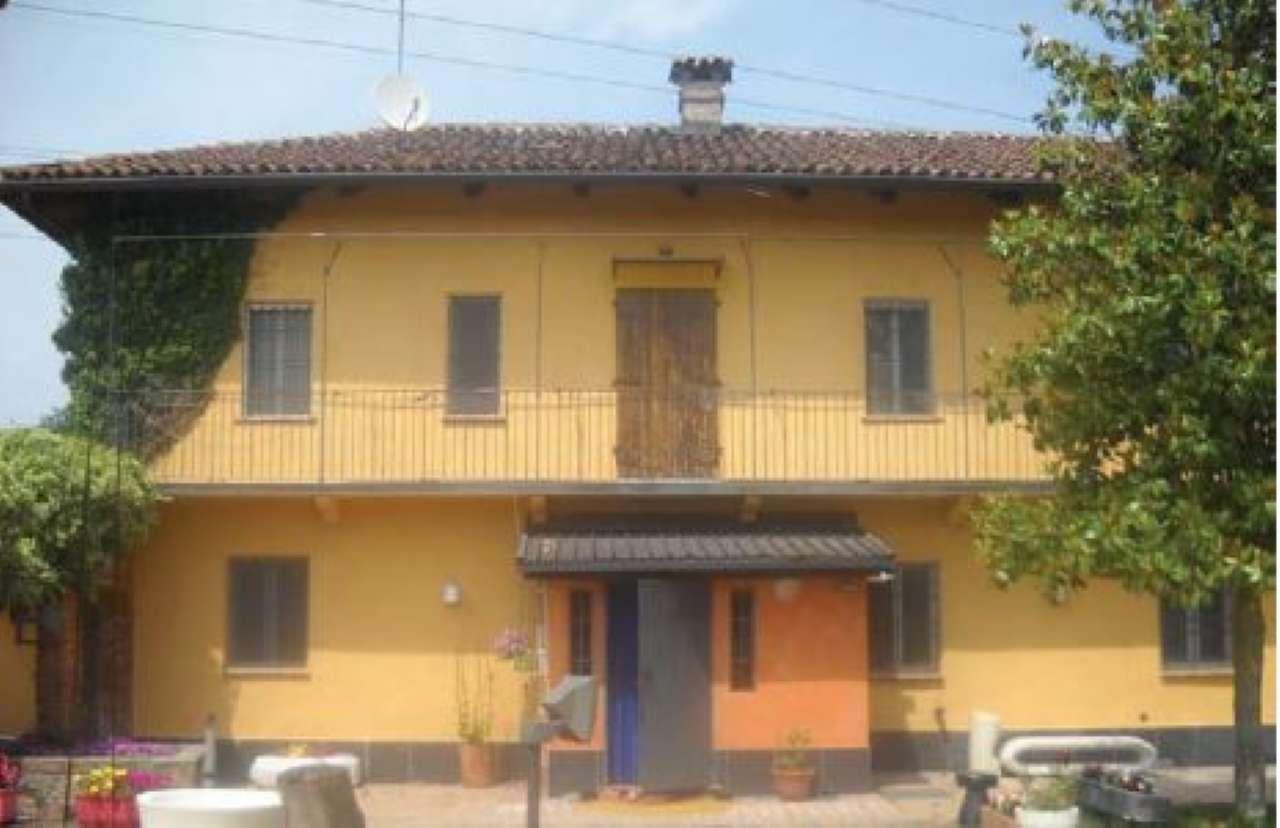 Rustico / Casale in vendita a Villastellone, 10 locali, prezzo € 112.500 | CambioCasa.it