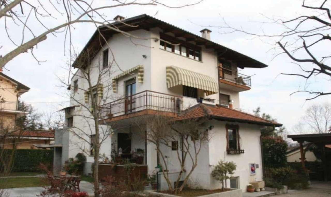 Appartamento in vendita a Giaveno, 8 locali, prezzo € 87.000 | CambioCasa.it