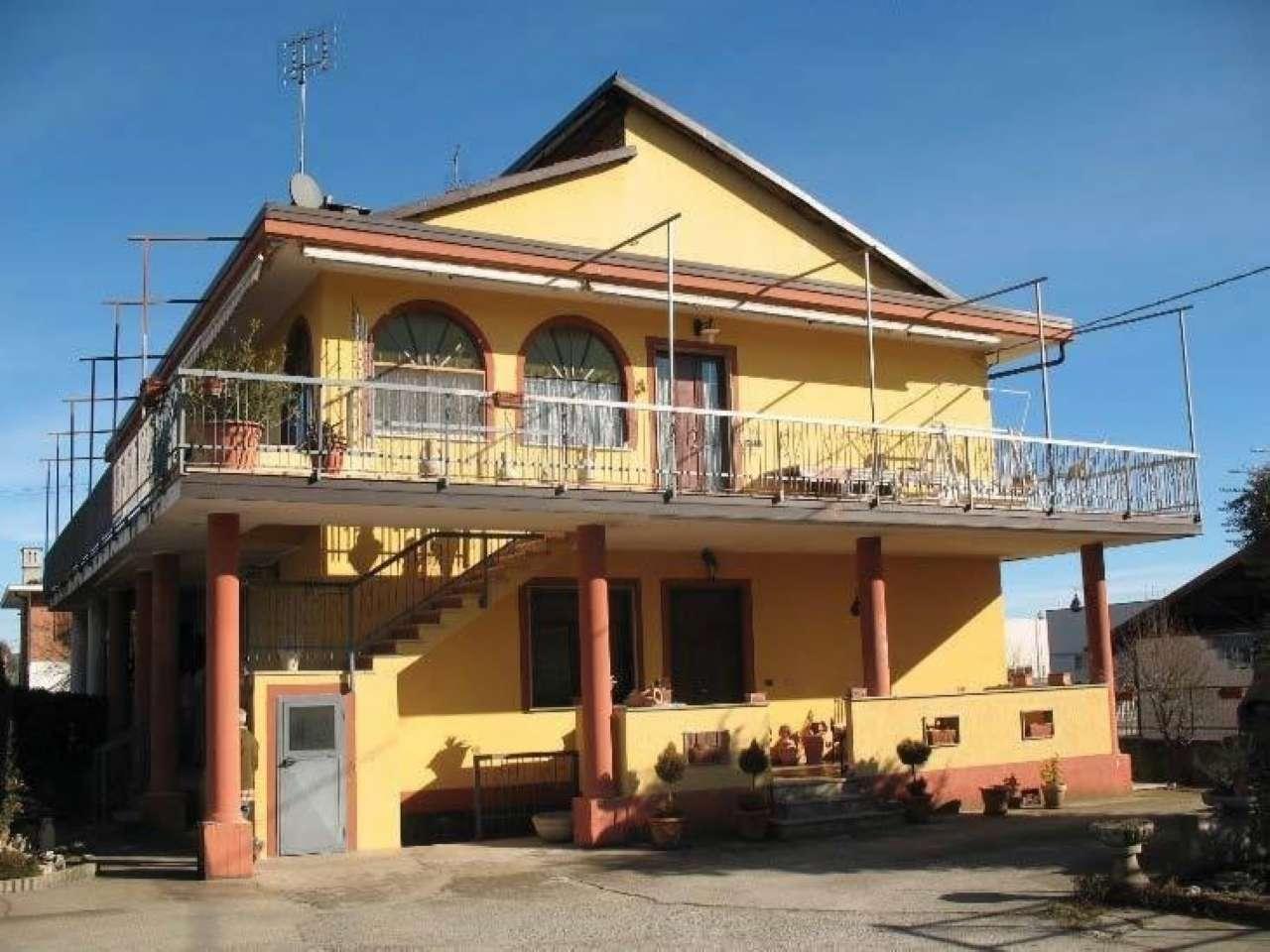 Appartamento in vendita a Frossasco, 6 locali, prezzo € 90.000 | CambioCasa.it