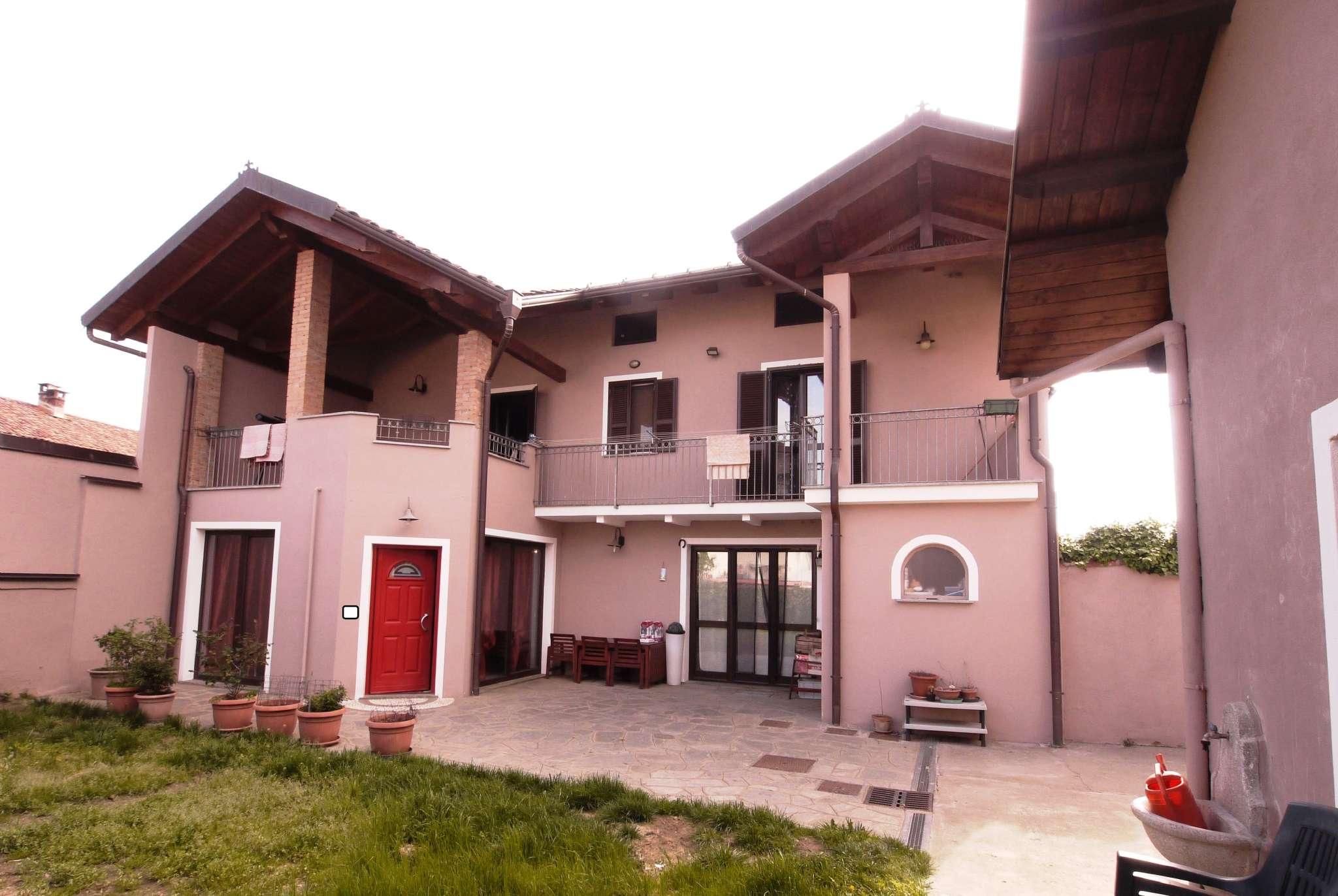 Appartamento in vendita a Montanaro, 7 locali, prezzo € 165.000 | PortaleAgenzieImmobiliari.it