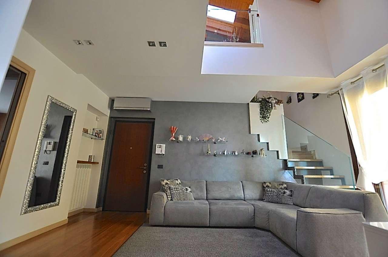Appartamento in ottime condizioni in vendita Rif. 8426618