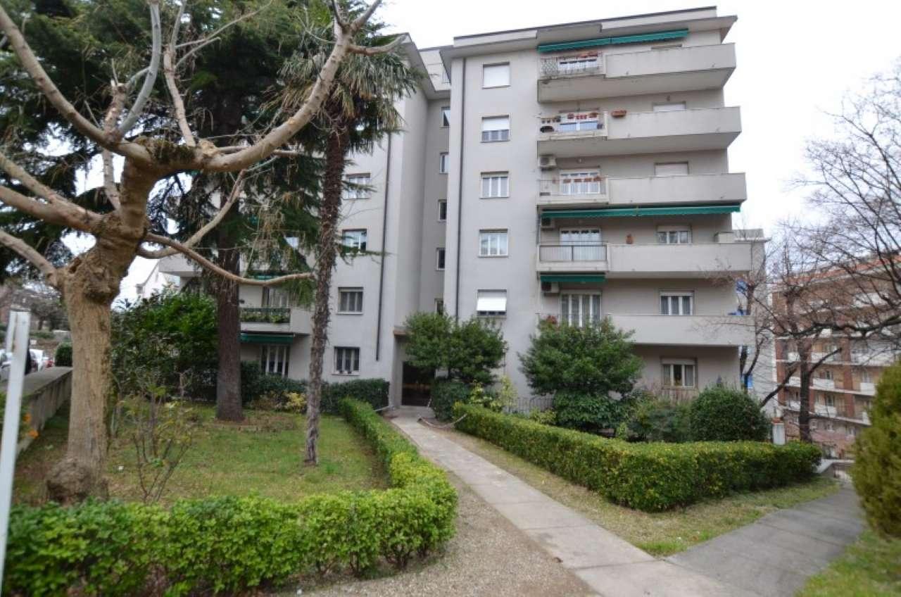 Appartamento parzialmente arredato in vendita Rif. 9307526