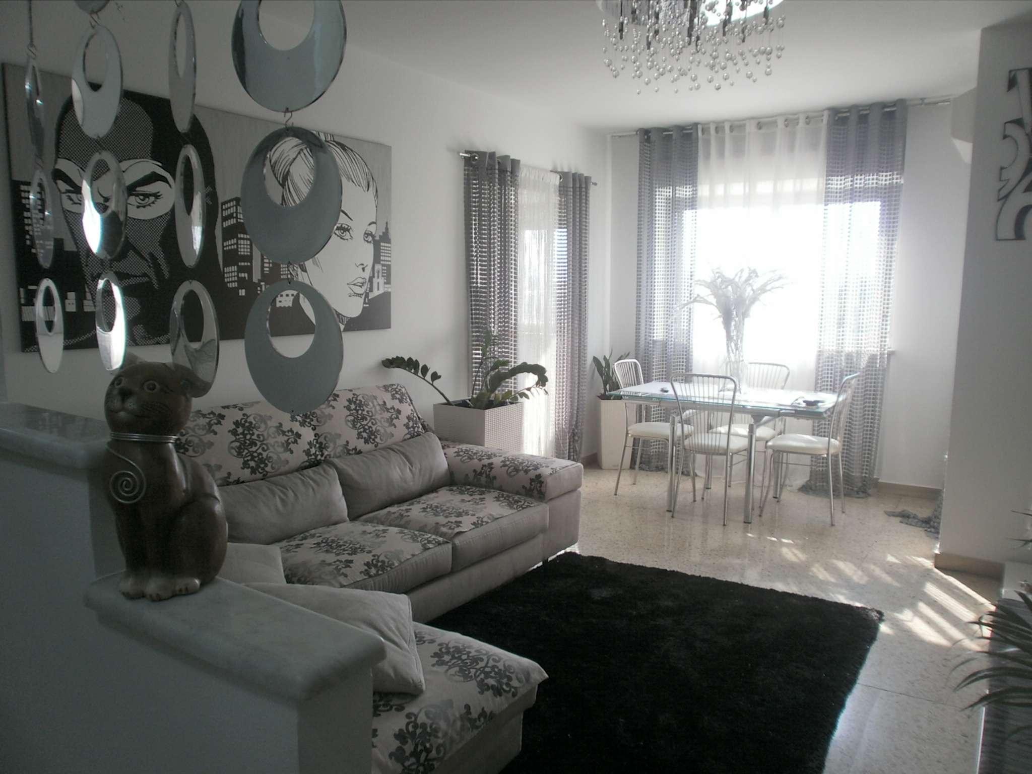Appartamento in buone condizioni in vendita Rif. 7189142